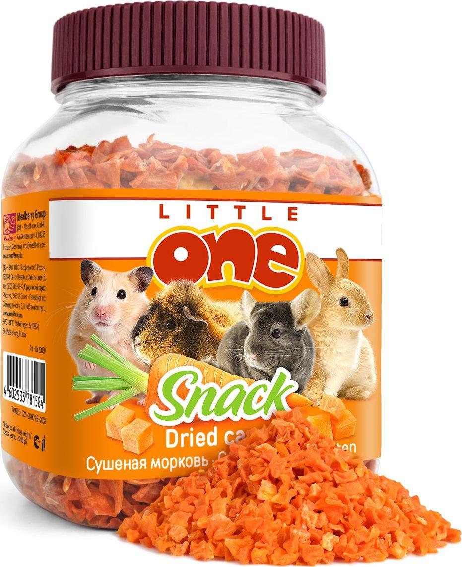 Лакомство для грызунов Little One Сушеная морковь, 200 г19521Лакомство для грызунов Little One Сушеная морковь готовится с помощью высокотехнологичной сушки, что позволяет сохранить вкусовые качества и питательные вещества моркови в целостности. Морковь отличается высоким содержанием каротина, пищевых волокон, калия, железа, фосфора, витамина С и фолиевой кислоты. При регулярном употреблении моркови повышается жизненный тонус, укрепляется иммунитет, стимулируются процессы регенерации в организме. Лакомство подходит для кроликов, морских свинок, шиншилл, крыс, хомячков и дегу. Лакомство является исключительно дополнительным кормом для животных и не может заменять основной рацион. Состав: сушеная морковь. Анализ состава: протеин 10%, жир 2%, углеводы 30%. Товар сертифицирован.