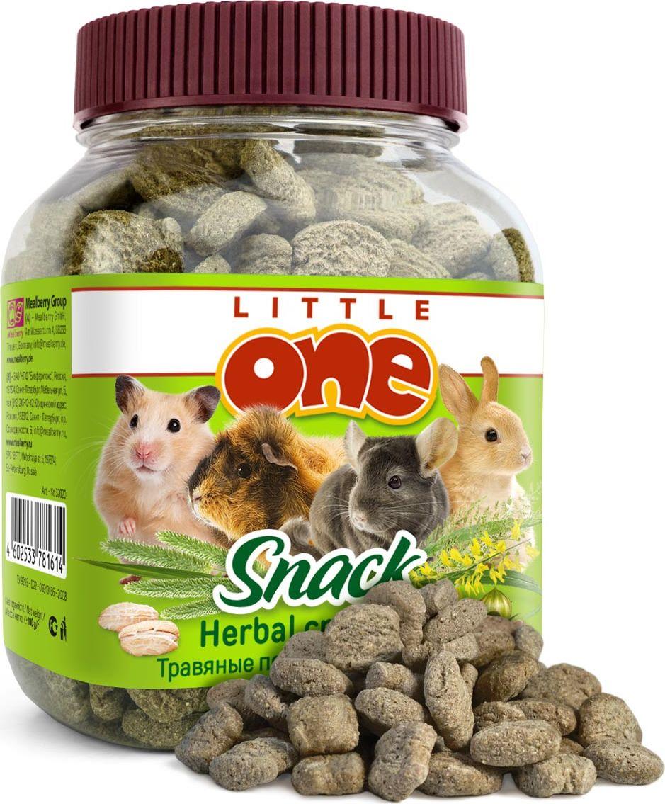 Лакомство для грызунов Little One Травяные подушечки, 100 г34605Лакомство для грызунов Little One Травяные подушечки является очень вкусной и питательной пищей для грызунов. Ваши любимцы обязательно оценят хрустящие подушечки из отборных зерен и сушеных трав. При этом травяные подушечки являются источником клетчатки, что стимулирует пищеварение, а также средством для стачивания постоянно растущих резцов. В состав трав входит люцерна, отличающаяся высокой усваиваемостью, богатая белками и витаминами.Товар сертифицирован.