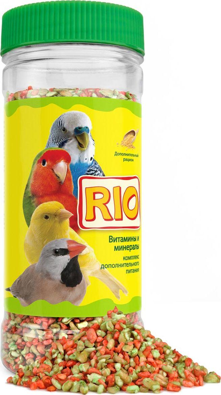 Витаминно-минеральная смесь RIO, для всех видов птиц, 220 г43800Витаминно-минеральная смесь RIO предназначен для всех видов птиц. Птицы в домашнихусловиях часто испытывают недостаток витаминов и минеральных веществ. Например, витаминD3 вырабатывается в организме птиц только под действием ультрафиолета. Птицы,находящиеся в неволе, из-за недостатка солнечного света не могут синтезировать достаточноеколичество витамина D3 самостоятельно. Комплекс дополнительного питания RIO представляет собой набор незаменимых витаминов,микроэлементов и макроэлементов, необходимых для полноценного питания и здоровьядомашних птиц. Товар сертифицирован.