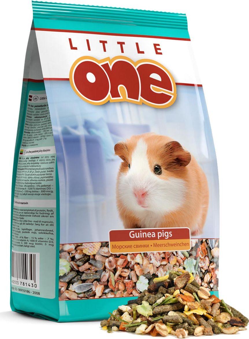 Корм для морских свинок Little One, 900 г53793Корм для морских свинок Little One - это полноценный питательный корм с добавлением витаминов и минеральных веществ. Рацион состоит только из высококачественных ингредиентов, которые помогут вашему питомцу поддерживать прекрасный внешний вид и хорошее самочувствие, снабжая его организм всеми необходимыми питательными элементами, витаминами и минеральными веществами. Разнообразный состав включает травяные гранулы, воздушные зерна, семена, овощи и редкие плоды. Корм содержит повышенное количество витаминов, необходимых для здоровья морских свинок. В составе корма отсутствуют вредные для здоровья морских свинок компоненты, что делает его абсолютно безопасным для животного. Состав: травяные гранулы (люцерна, соя, подсолнечник, пшеница, лен, овсянка, ячмень), воздушная пшеница, хлопья люпина, плоды рожкового дерева (кароб), горох плющенный, воздушный ячмень, сушеная морковь, воздушная кукуруза, семена подсолнечника, люцерна сушеная, меласса, гранулы, обогащенные кормовыми добавками, витаминами и минеральными веществами. Анализ состава: белки - не менее 18%; жиры - не более 4%; клетчатка - не более 10%; зола - не более 7%; кальций - не менее 0,9%; фосфор - не менее 0,65%; лизин - не менее 0,87%; метионин - не менее 0,25%; влага - не более 10%.Добавки: витамин А - не менее 15200 МЕ/кг; витамин D3 - не менее 1000 МЕ/кг; витамин Е - не менее 150 мг/кг; витамин К3 - 8 мг; витамин В1 - 12 мг; витамин В2 - 20 мг; витамин В4 - 1525 мг; витамин В12 - 100 мкг; витамин В6 - 15 мг; витамин С - не менее 1350 мг/кг; ниацин - 60 мг; биотин - не менее 300 мкг/кг; магний - 18 мг; железо - 35 мг; цинк - 20 мг; сульфат меди II - не менее 5 мг/кг; йод - не менее 2 мг/кг; кобальт - 2 мг; натрий - 0,3 мг; селен - 0,5 мг; пантотеновая кислота - 30 мг; фолиевая кислота - 6 мг. Товар сертифицирован.