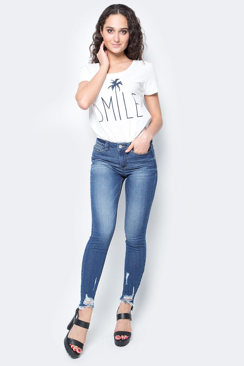 Джинсы женские Tom Tailor, цвет: синий. 6205645.62.71_1052. Размер 26 (40/42)6205645.62.71_1052Женские джинсы Tom Tailor изготовлены из высококачественного материала. Джинсы-скинни средней посадки застегиваются на пуговицу в поясе и ширинку на застежке-молнии. На поясе предусмотрены шлевки для ремня. Спереди модель дополнена двумя втачными карманами и одним маленьким накладным кармашком, а сзади - двумя накладными карманами. Оформлена модель рваным эффектом и перманентными складками.