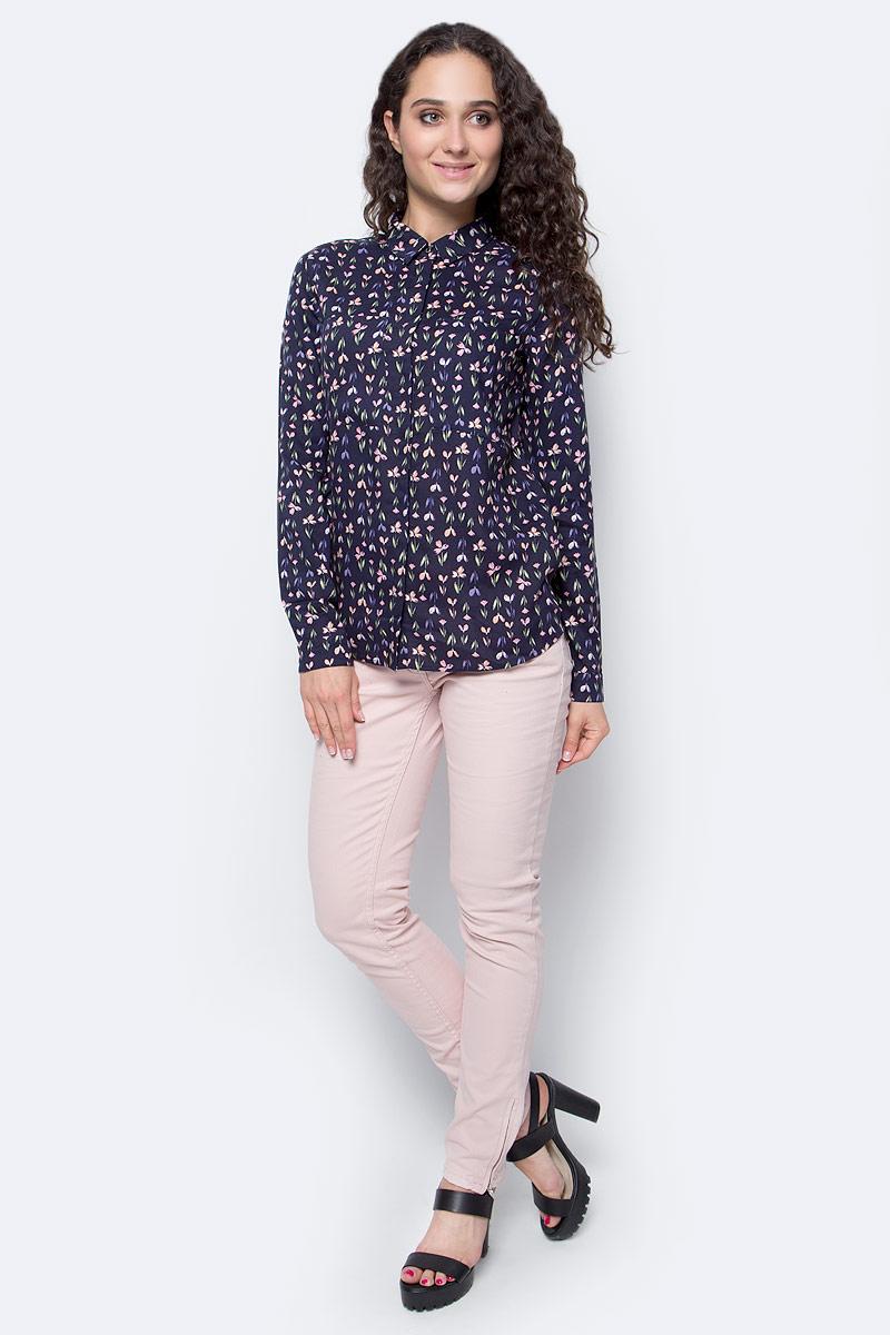 Рубашка женская Top Secret, цвет: темно-синий. SKL2220GR42[E]. 42 (50)SKL2220GRРубашка женская Top Secret выполнена из 100% вискозы. Модель с отложным воротником застегивается на пуговицы. Оформлено изделие цветочным принтом.