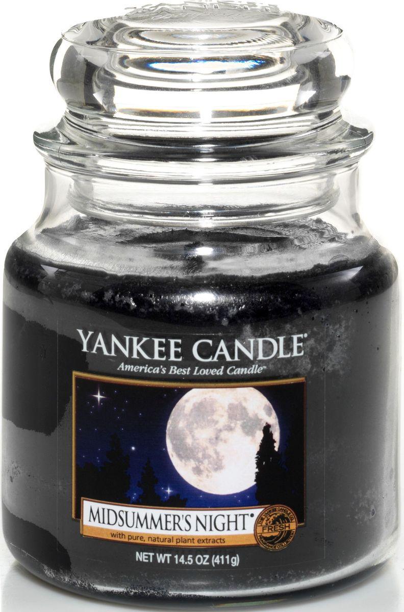 Ароматическая свеча Yankee Candle Летняя ночь / Midsummers Night, 65-90 ч114174ЕАроматическая свеча Yankee Candle не только окутает вас волшебным ароматом, но еще и прекрасно впишется в интерьер. Использовать изделие можно как в доме, так и на веранде или в саду. Свеча в стеклянной банке с крышкой выполнена из высокоочищенного парафина с добавлением натуральных эфирных масел. Стекло делает горение свечи безопасным.Описание ароматической композиции: насыщенный, немного терпкий мужской аромат.Верхняя нота: цитрусовые, травянистые, древесные ноты; Бергамот, Лайм.Средняя нота: Лаванда, Цветы шалфея.Базовая нота: Кедр, Ветивер, Можжевельник, Шалфей.