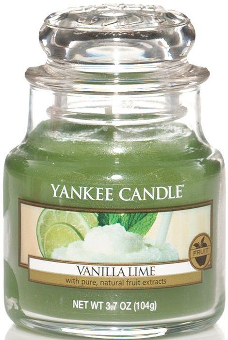 Ароматическая свеча Yankee Candle Ваниль и лайм / Vanilla Lime, 25-45 ч1107078EАроматическая свеча Yankee Candle не только окутает вас волшебным ароматом, но еще и прекрасно впишется в интерьер. Использовать изделие можно как в доме, так и на веранде или в саду. Свеча в стеклянной банке с крышкой выполнена из высокоочищенного парафина с добавлением натуральных эфирных масел. Стекло делает горение свечи безопасным. Описание ароматической композиции: освежающий, сливочный, ванильный аромат со сладкими нотами сахарного тростника и пикантного лайма. Верхняя нота: Кафрский лайм, Цедра лимона. Средняя нота: Сахар, Какао. Базовая нота: Ваниль, Бобы Тонка.