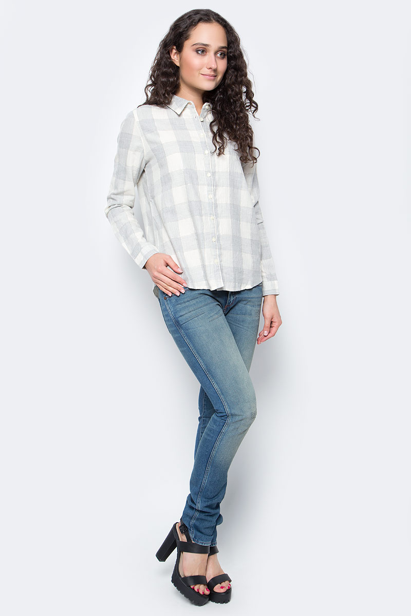 Рубашка женская Wrangler, цвет: молочный, серый. W5152C8FT. Размер S (44)W5152C8FTСимпатичная женская рубашка Wrangler изготовлена из высококачественного материала. Модная рубашка с длинными рукавами и отложным воротником, застегивается на кнопки по всей длине. Оформлена модель принтом в клетку.