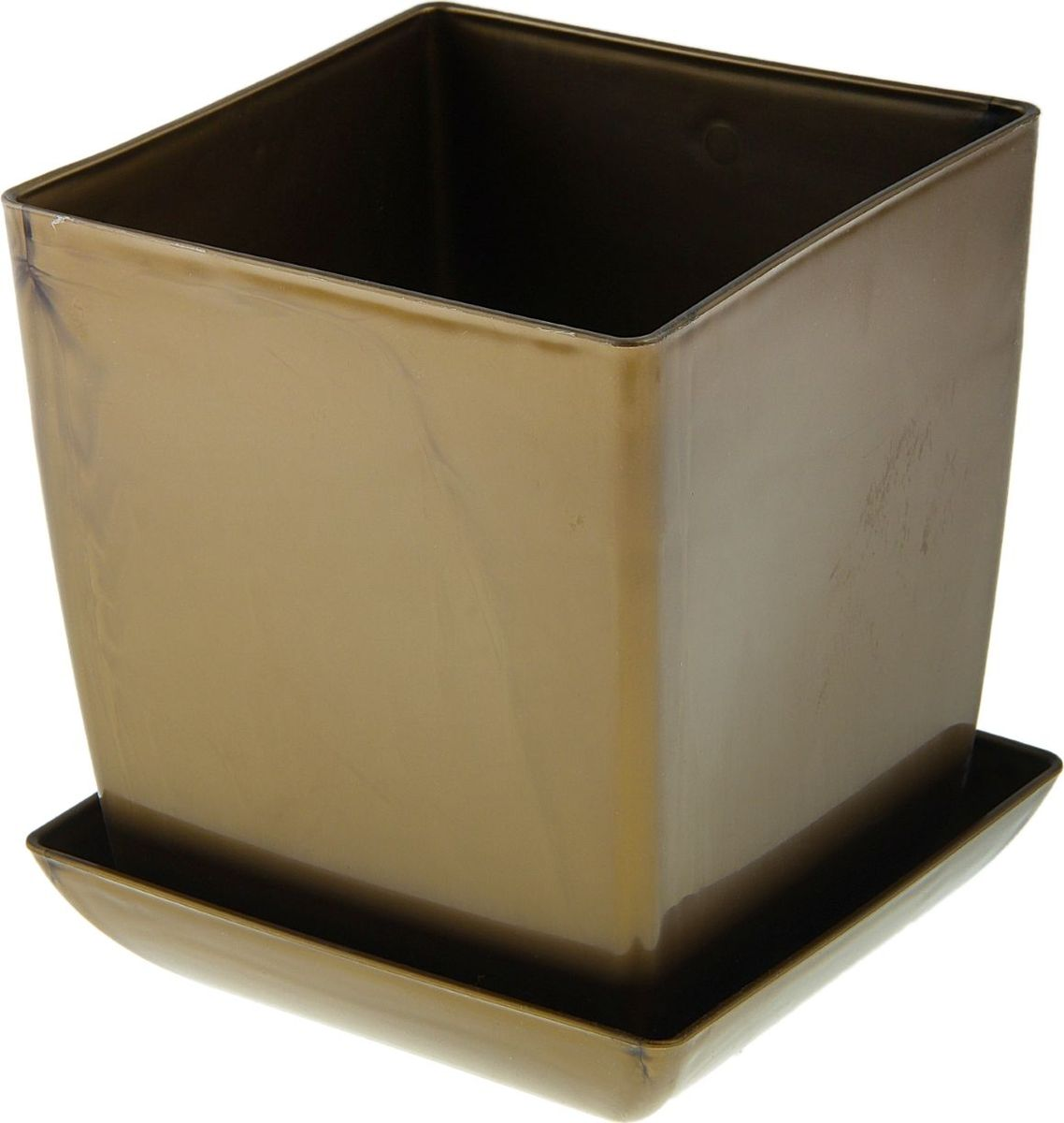 Горшок для цветов Мегапласт Квадрат, с поддоном, цвет: золотой, 3,5 л651043Любой, даже самый современный и продуманный интерьер будет не завершенным без растений. Они не только очищают воздух и насыщают его кислородом, но и заметно украшают окружающее пространство. Такому полезному члену семьи просто необходимо красивое и функциональное кашпо, оригинальный горшок или необычная ваза! Мы предлагаем - Горшок для цветов с поддоном 16х16 см Квадрат 3,5 л, цвет белый перламутр! Оптимальный выбор материала - это пластмасса! Почему мы так считаем? Малый вес. С легкостью переносите горшки и кашпо с места на место, ставьте их на столики или полки, подвешивайте под потолок, не беспокоясь о нагрузке. Простота ухода. Пластиковые изделия не нуждаются в специальных условиях хранения. Их легко чистить достаточно просто сполоснуть теплой водой. Никаких царапин. Пластиковые кашпо не царапают и не загрязняют поверхности, на которых стоят. Пластик дольше хранит влагу, а значит растение реже нуждается в поливе. Пластмасса не пропускает воздух корневой системе растения не грозят резкие перепады температур. Огромный выбор форм, декора и расцветок вы без труда подберете что-то, что идеально впишется в уже существующий интерьер. Соблюдая нехитрые правила ухода, вы можете заметно продлить срок службы горшков, вазонов и кашпо из пластика: всегда учитывайте размер кроны и корневой системы растения (при разрастании большое растение способно повредить маленький горшок) берегите изделие от воздействия прямых солнечных лучей, чтобы кашпо и горшки не выцветали держите кашпо и горшки из пластика подальше от нагревающихся поверхностей. Создавайте прекрасные цветочные композиции, выращивайте рассаду или необычные растения, а низкие цены позволят вам не ограничивать себя в выборе.
