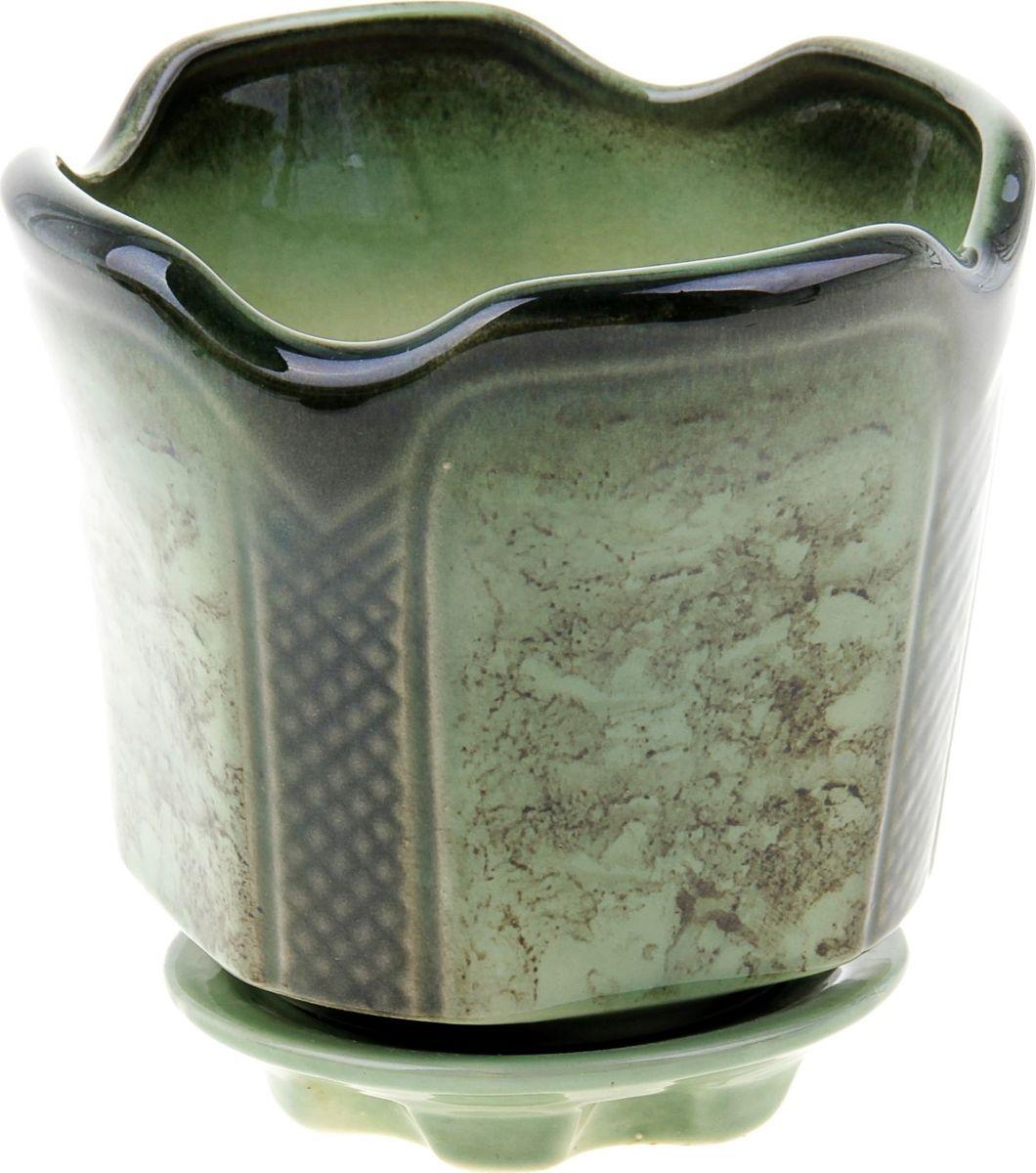 Кашпо Готика, цвет: зеленый, 1,4 л838559Комнатные растения — всеобщие любимцы. Они радуют глаз, насыщают помещение кислородом и украшают пространство. Каждому из них необходим свой удобный и красивый дом. Кашпо из керамики прекрасно подходят для высадки растений: за счёт пластичности глины и разных способов обработки существует великое множество форм и дизайновпористый материал позволяет испаряться лишней влагевоздух, необходимый для дыхания корней, проникает сквозь керамические стенки! #name# позаботится о зелёном питомце, освежит интерьер и подчеркнёт его стиль.