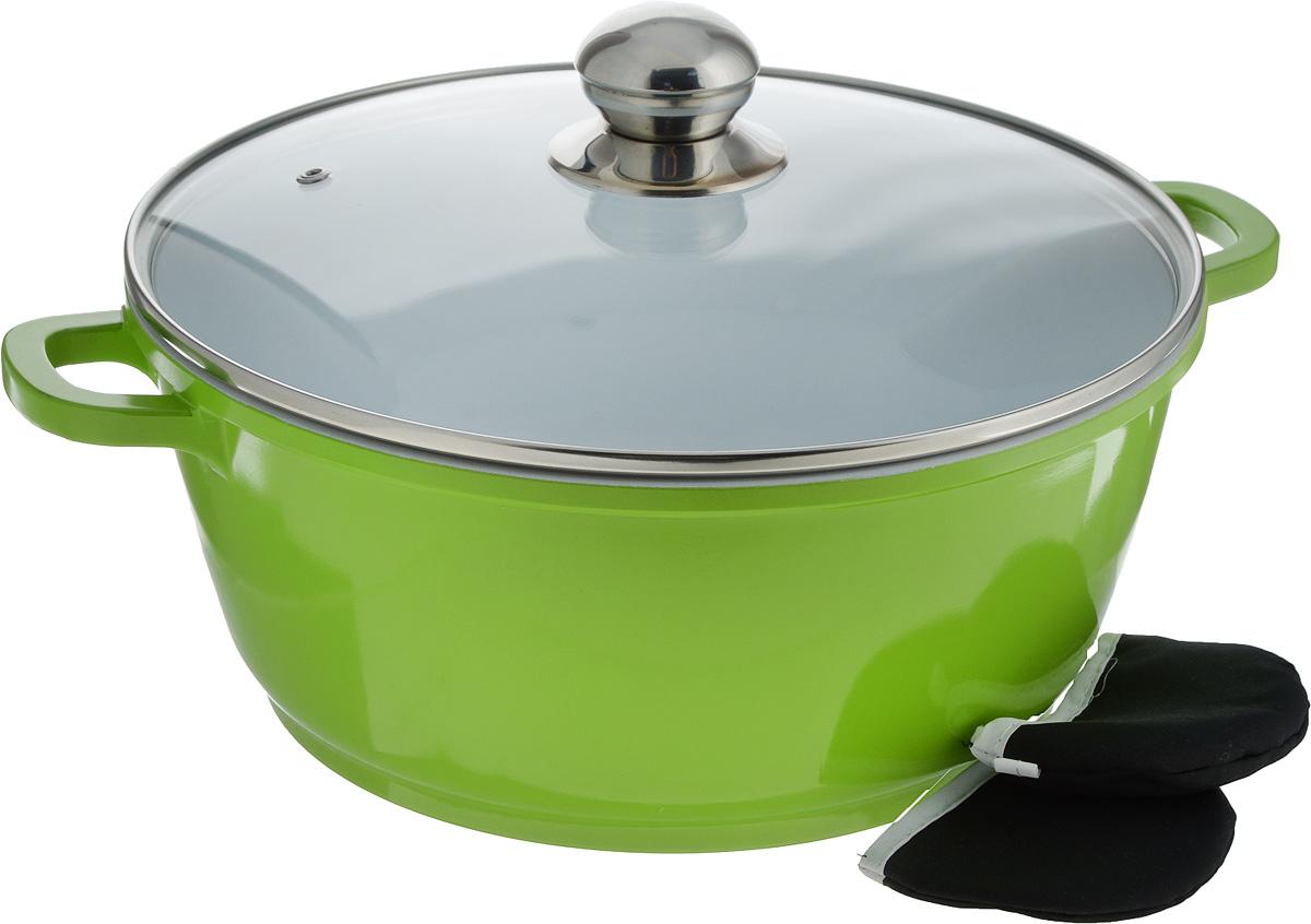 Кастрюля Bohmann с крышкой, с керамическим покрытием, цвет: белый, зеленый, 5,5 л7328BHWCRКастрюля Bohmann изготовлена из алюминия с высококачественным внутренним керамическим покрытием. Такое покрытие прекрасно подходит для приготовления супов, жарки, пассировки и тушения, в посуде можно приготовить разнообразные блюда из мяса, рыбы, птицы и овощей практически не используя масло. Готовое блюдо получится не только вкусным, но и полезным. Кастрюля оснащена алюминиевыми ручками, которые дополнены текстильными чехлами-прихватками для защиты от ожогов. Крышка из жаропрочного стекла со стальным ободом дополнена отверстием для выпуска пара.Можно использовать на газовых, электрических, галогеновых и индукционных плитах. Можно мыть в посудомоечной машине. Диаметр кастрюли: 28 см.Высота стенки: 12,5 см. Толщина дна: 8 мм.Ширина с учетом ручек: 36 см.