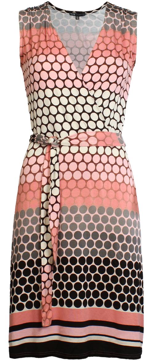 Платье oodji Collection, цвет: розовый, черный. 24005065/19768/4129D. Размер 38-170 (44-170)24005065/19768/4129DТрикотажное платье от oodji с запахом на полочке выполнено из эластичной вискозы. Модель без рукавов и с V-образным вырезом горловины на талии дополнена текстильным поясом.