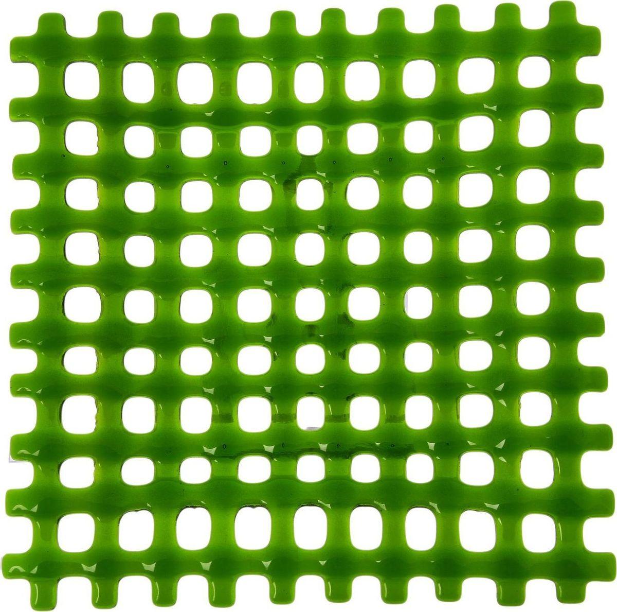 Тарелка декоративная Декостек Соломка, цвет: зеленый, 21 см. 22617602261760Оригинальная посуда — свидетельство особого отношения хозяев дома к гостям. Изделия изготовлены необычным образом: несколько видов стекла спекаются в печи при температуре около 800 градусов. В результате этого получается уникальный продукт, по внешнему виду сходный с витражом. Стекло, полученное с помощью фьюзинга, отличают особенная прозрачность и глубина цвета, оно сохраняет оттенок и не подвержено старению.Особенности предмета:тщательная обработка рельефа поверхности;высококачественный узор;высокая прочность – изделия можно мыть в посудомоечной машине.Такой предмет станет прекрасным подарком по любому случаю. В комплект входит подставка и декоративная коробка.