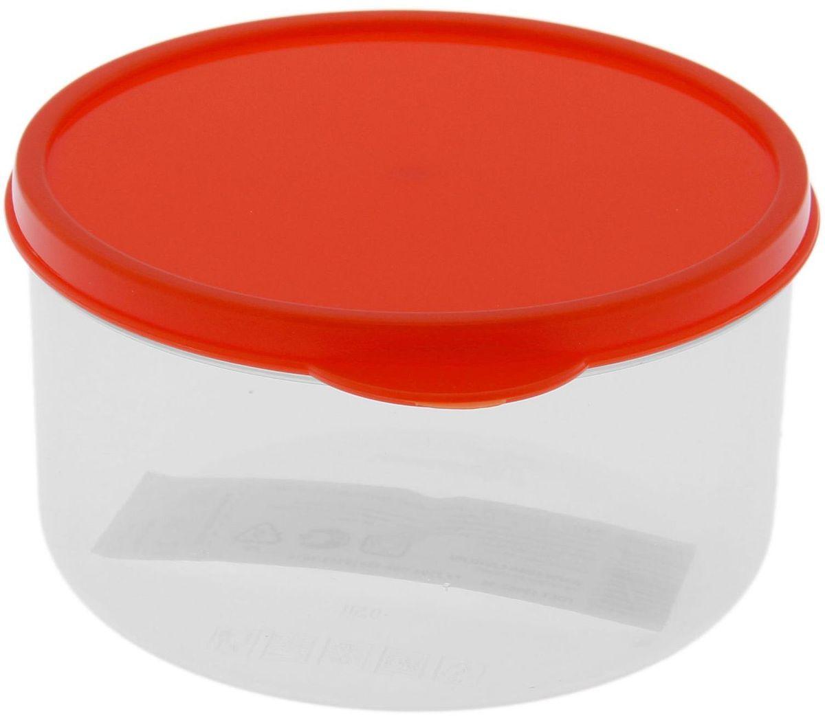 Контейнер пищевой Доляна, круглый, цвет: оранжевый, 500 мл1333798Если после вкусного обеда осталась еда, а насладиться трапезой хочется и на следующий день, ланч-бокс станет отличным решением данной проблемы!Такой контейнер является незаменимым предметом кухонной утвари, ведь у него много преимуществ:Простота ухода. Ланч-бокс достаточно промыть тёплой водой с небольшим количеством чистящего средства, и он снова готов к использованию.Вместительность. Большой выбор форм и объёма поможет разместить разнообразные продукты от сахара до супов.Эргономичность. Ланч-боксы очень легко хранить даже в самой маленькой кухне, так как их можно поставить один в другой по принципу матрёшки.Многофункциональность. Разнообразие цветов и форм делает возможным использование контейнеров не только на кухне, но и в других областях домашнего быта.Любители приготовления обеда на всю семью в большинстве случаев приобретают ланч-боксы наборами, так как это позволяет рассортировать продукты по всевозможным признакам. К тому же контейнеры среднего размера станут незаменимыми помощниками на работе: ведь что может быть приятнее, чем порадовать себя во время обеда прекрасной едой, заботливо сохранённой в контейнере?В качестве материала для изготовления используется пластик, что делает процесс ухода за контейнером ещё более эффективным. К каждому ланч-боксу в комплекте также прилагается крышка подходящего размера, это позволяет плотно и надёжно удерживать запах еды и упрощает процесс транспортировки.Однако рекомендуется соблюдать и меры предосторожности: не использовать пластиковые контейнеры в духовых шкафах и на открытом огне, а также не разогревать в микроволновых печах при закрытой крышке ланч-бокса. Соблюдение мер безопасности позволит продлить срок эксплуатации и сохранить отличный внешний вид изделия.Эргономичный дизайн и многофункциональность таких контейнеров — вот, что является причиной большой популярности данного предмета у каждой хозяйки. А в преддверии лета и дачного сезона такое приобр