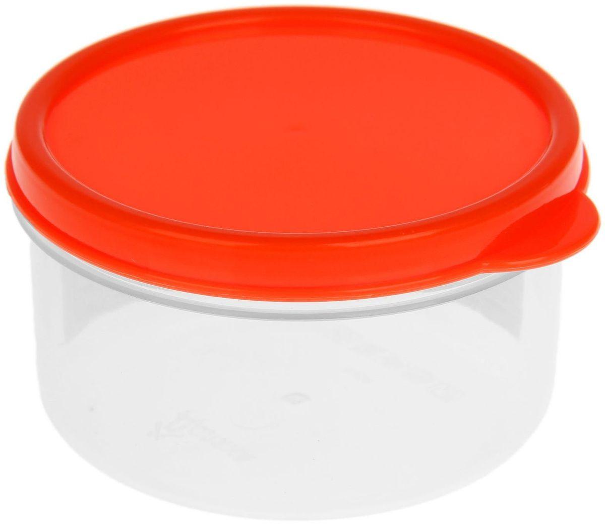 Контейнер пищевой Доляна, круглый, цвет: оранжевый, 150 мл1333814Если после вкусного обеда осталась еда, а насладиться трапезой хочется и на следующий день, ланч-бокс станет отличным решением данной проблемы!Такой контейнер является незаменимым предметом кухонной утвари, ведь у него много преимуществ:Простота ухода. Ланч-бокс достаточно промыть тёплой водой с небольшим количеством чистящего средства, и он снова готов к использованию.Вместительность. Большой выбор форм и объёма поможет разместить разнообразные продукты от сахара до супов.Эргономичность. Ланч-боксы очень легко хранить даже в самой маленькой кухне, так как их можно поставить один в другой по принципу матрёшки.Многофункциональность. Разнообразие цветов и форм делает возможным использование контейнеров не только на кухне, но и в других областях домашнего быта.Любители приготовления обеда на всю семью в большинстве случаев приобретают ланч-боксы наборами, так как это позволяет рассортировать продукты по всевозможным признакам. К тому же контейнеры среднего размера станут незаменимыми помощниками на работе: ведь что может быть приятнее, чем порадовать себя во время обеда прекрасной едой, заботливо сохранённой в контейнере?В качестве материала для изготовления используется пластик, что делает процесс ухода за контейнером ещё более эффективным. К каждому ланч-боксу в комплекте также прилагается крышка подходящего размера, это позволяет плотно и надёжно удерживать запах еды и упрощает процесс транспортировки.Однако рекомендуется соблюдать и меры предосторожности: не использовать пластиковые контейнеры в духовых шкафах и на открытом огне, а также не разогревать в микроволновых печах при закрытой крышке ланч-бокса. Соблюдение мер безопасности позволит продлить срок эксплуатации и сохранить отличный внешний вид изделия.Эргономичный дизайн и многофункциональность таких контейнеров — вот, что является причиной большой популярности данного предмета у каждой хозяйки. А в преддверии лета и дачного сезона такое приобр