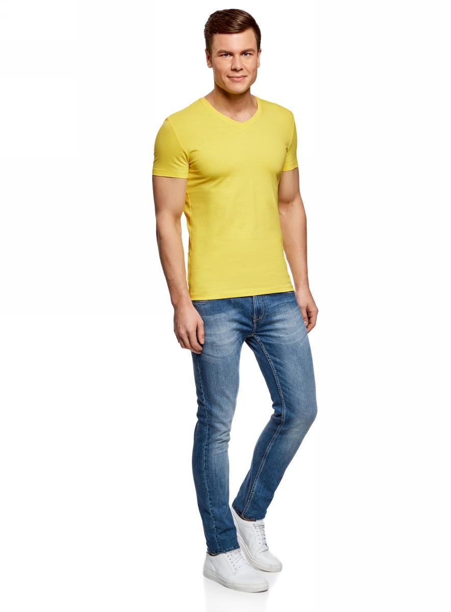 Футболка мужская oodji Basic, цвет: лимонный. 5B612002M/46737N/5100N. Размер XL (56)5B612002M/46737N/5100NБазовая футболка с V-образным вырезом горловины и короткими рукавами выполнена из эластичного хлопка.