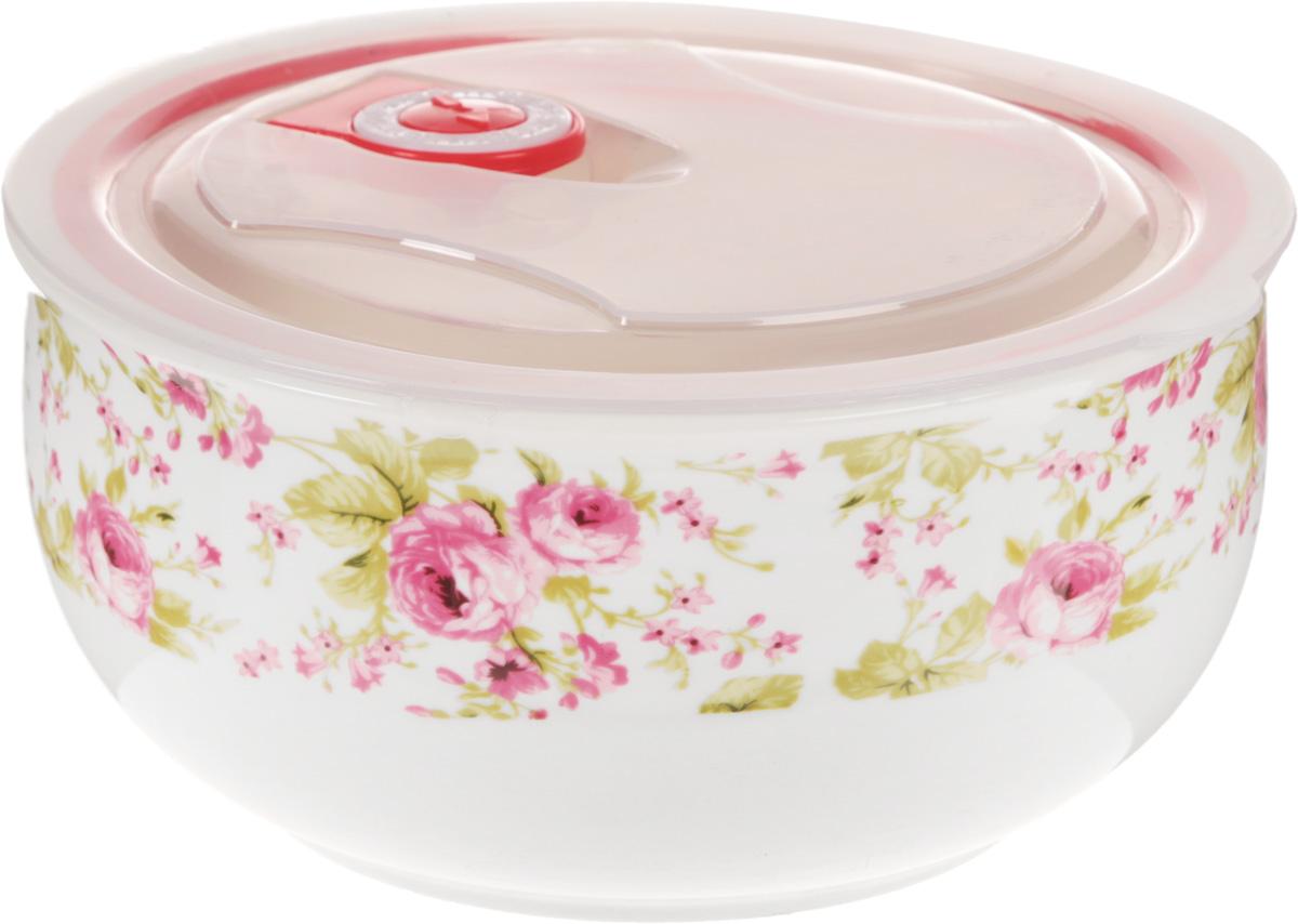 """Салатник """"Calve"""", изготовленный из глазурованной керамики, снабжен пластиковой крышкой. Он идеально подходит для сервировки стола. Благодаря силиконовой прослойке, крышка изделия плотно прилегает и создает вакуум. Такой салатник подойдет для хранения блюда в холодильнике и морозильной камере. Диаметр: 16 см.Высота: 7,5 см. Объем: 900 мл."""