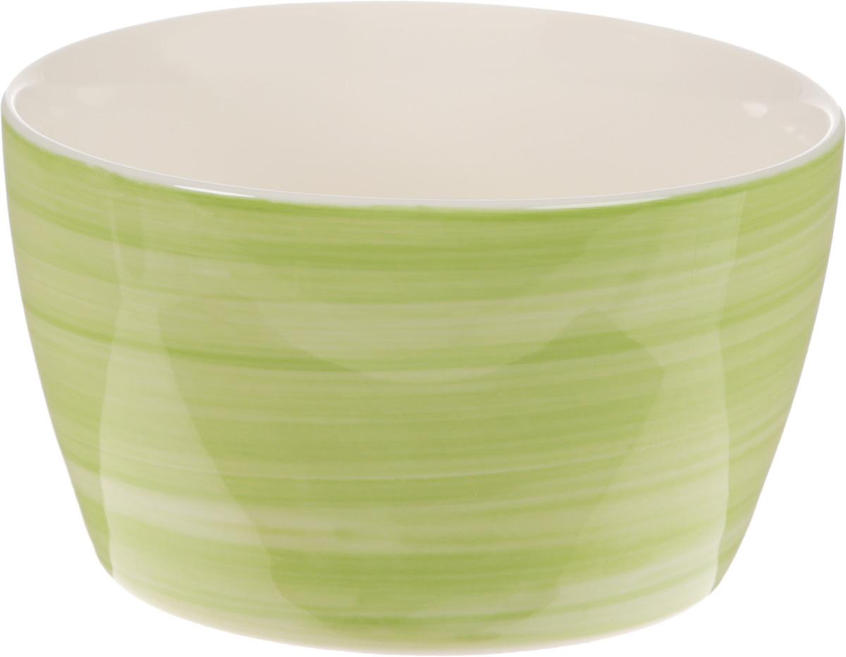 Форма для запекания Calve, круглая, цвет: светло-зеленый, 300 млSB18060Форма для запекания Calve выполнена из жаропрочной керамики. Изделие можно использовать в духовке. Во время процесса приготовления посуда из керамики впитывает лишнюю влагу из продукта и хранит тепло. Такая форма подойдет для хранения блюда в холодильнике и морозильной камере. Можно мыть в посудомоечной машине. Диаметр (по верхнему краю): 10 см. Высота: 6 см. Объем: 300 мл.