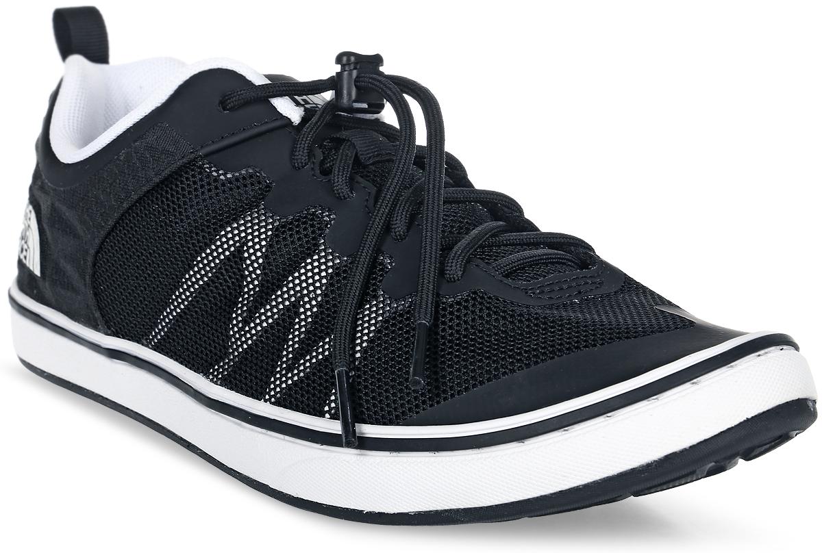 Кроссовки мужские The North Face M Base Camp Flow Sneaker (Ap), цвет: черный. T92UXNKY4. Размер 14 (48)T92UXNKY4Легкие кроссовки Base Camp Flow Sneaker - отличный вариант для города или базового лагеря. Дышащие сетчатые вставки для вентиляции и максимального комфорта. Шнуровка со стоппером вместе с мягким язычком обеспечивает надежную фиксацию ноги. В таких кроссовках вашим ногам будет комфортно и уютно.