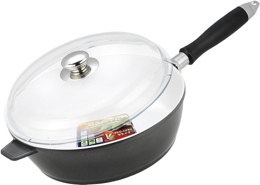 Сковорода Vitesse, со съемной ручкой. Диаметр 26 см. VS-2264VS-2264Сковорода Vitesse с антипригарным покрытием класса премиум и со съемнойручкой. Особенности сковороды:- изготовлена из высококачественного алюминия;- стойкое керамическое покрытие, позволяющее готовить при температуре до450°C; - покрытие безопасное для здоровья человека, не содержит PFOA;- покрытие стойкое к царапинам, возможно использование металлическойлопатки;- съемная ручка;- равномерное нагревание и доведение блюда до готовности. Крышка выполнена из термостойкого стекла. Она позволяет наблюдать запроцессом приготовления пищи.В комплект входят две прихватки-варежки.Характеристики: Материал: алюминий, пластик. Внешнийдиаметр по верхнему краю: 26 см. Высота стенки сковороды: 8 см.Длина ручки: 22 см. Размер упаковки: 33 см х 29 см х 12 см.Изготовитель: Китай. Артикул: VS-2264.