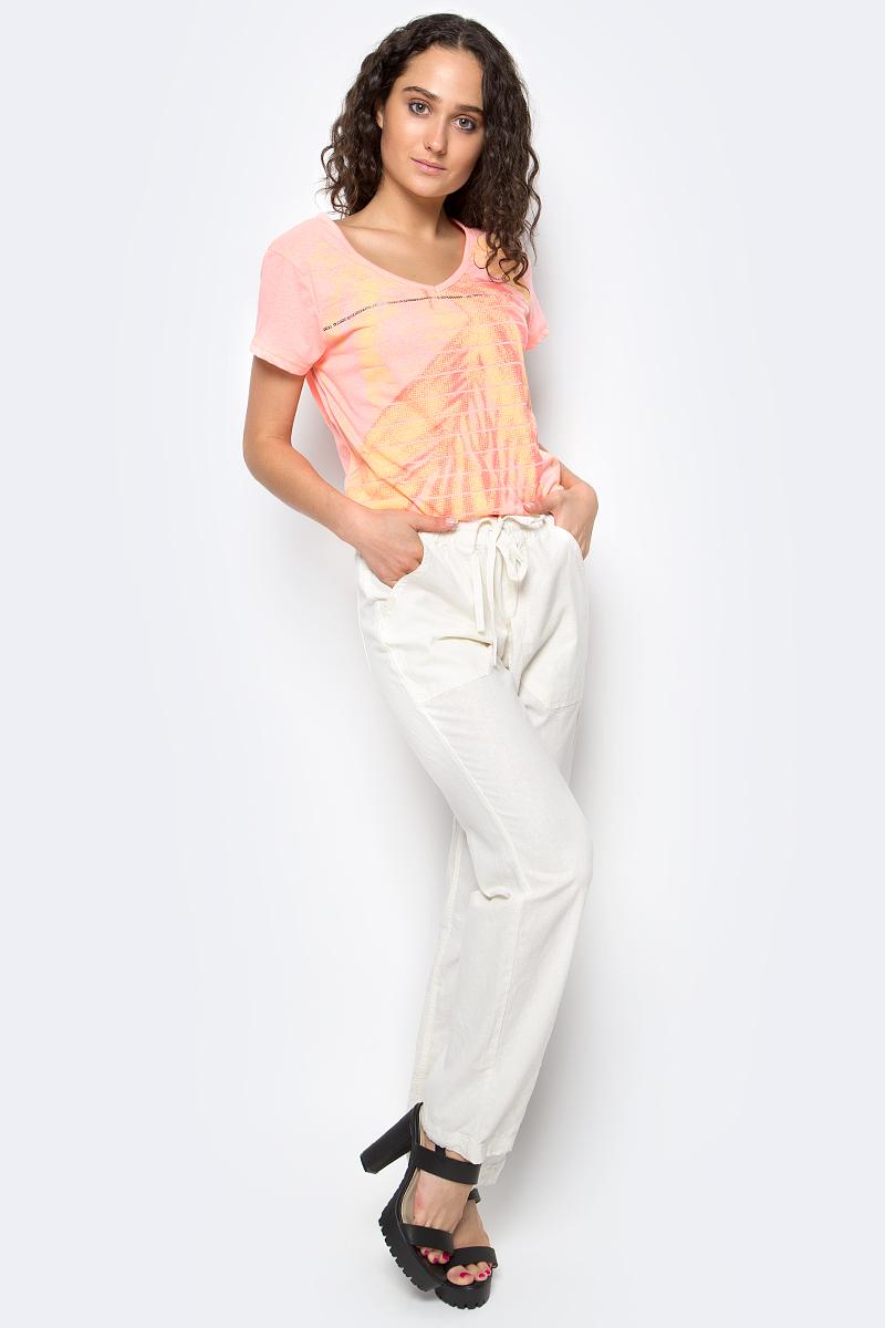 Брюки женские Luhta, цвет: белый. 737742393LV. Размер 38 (46)737742393LVСтильные женские брюки Luhta выполнены из высококачественного материала. Модель стандартной посадки в талии дополнена эластичной резинкой и шнурком. Спереди брюки дополнены двумя накладными карманами. Сзади также есть два накладных кармана.