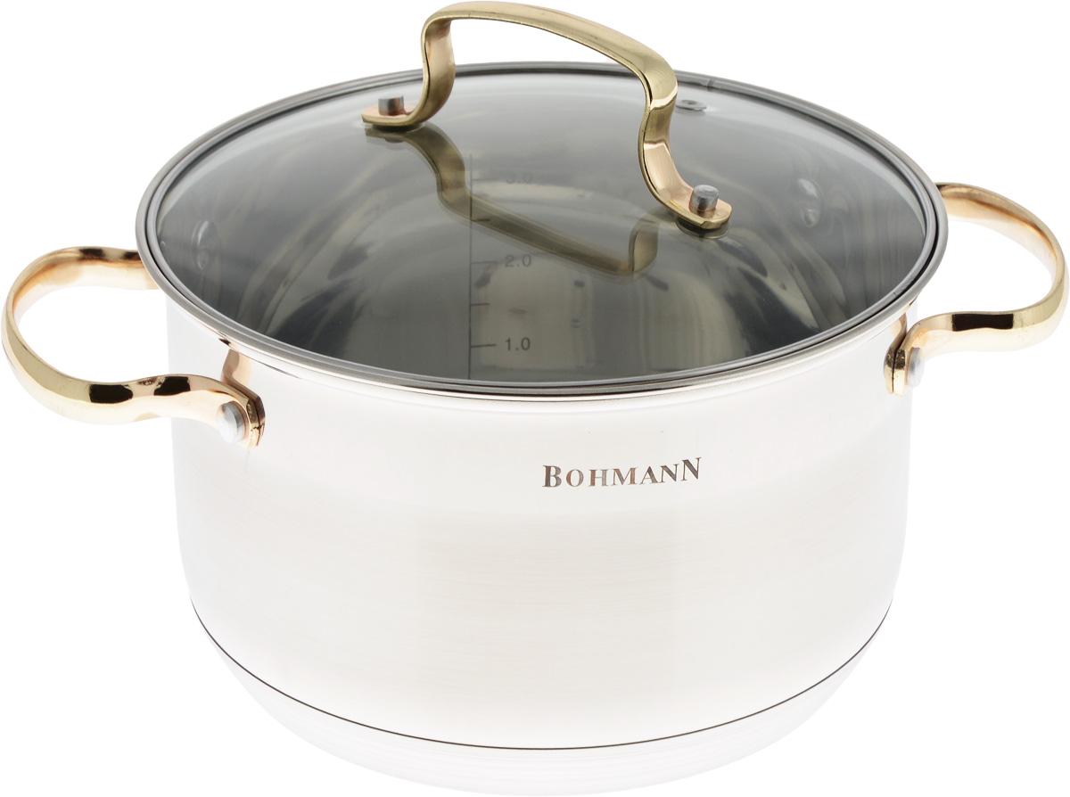 Кастрюля Bohmann с крышкой, 3,9 л1920BHGКастрюля Bohmann изготовлена из высококачественной нержавеющей стали. Нержавеющая сталь отличается высокой экологической чистотой и долговечностью, устойчива к воздействию пищевых кислот, не образует соединений с компонентами пищи. Толстое многослойное дно обеспечивает быстрый нагрев и равномерное распределение тепла по всей поверхности. Жаропрочная стеклянная крышка плотно прилегает к краям посуды, имеет отверстие для выхода пара, сохраняя аромат и вкус блюд. При этом можно наблюдать за готовностью пищи без потери тепла. Крышка и кастрюля оснащены удобными ручками.Кастрюля подходит для всех плит, включая индукционные. Можно мыть в посудомоечной машине.Диаметр кастрюли (по верхнему краю): 20 см.Диаметр дна: 17 см.Высота стенки: 12,5 см.Ширина кастрюли (с учетом ручек): 29 см.