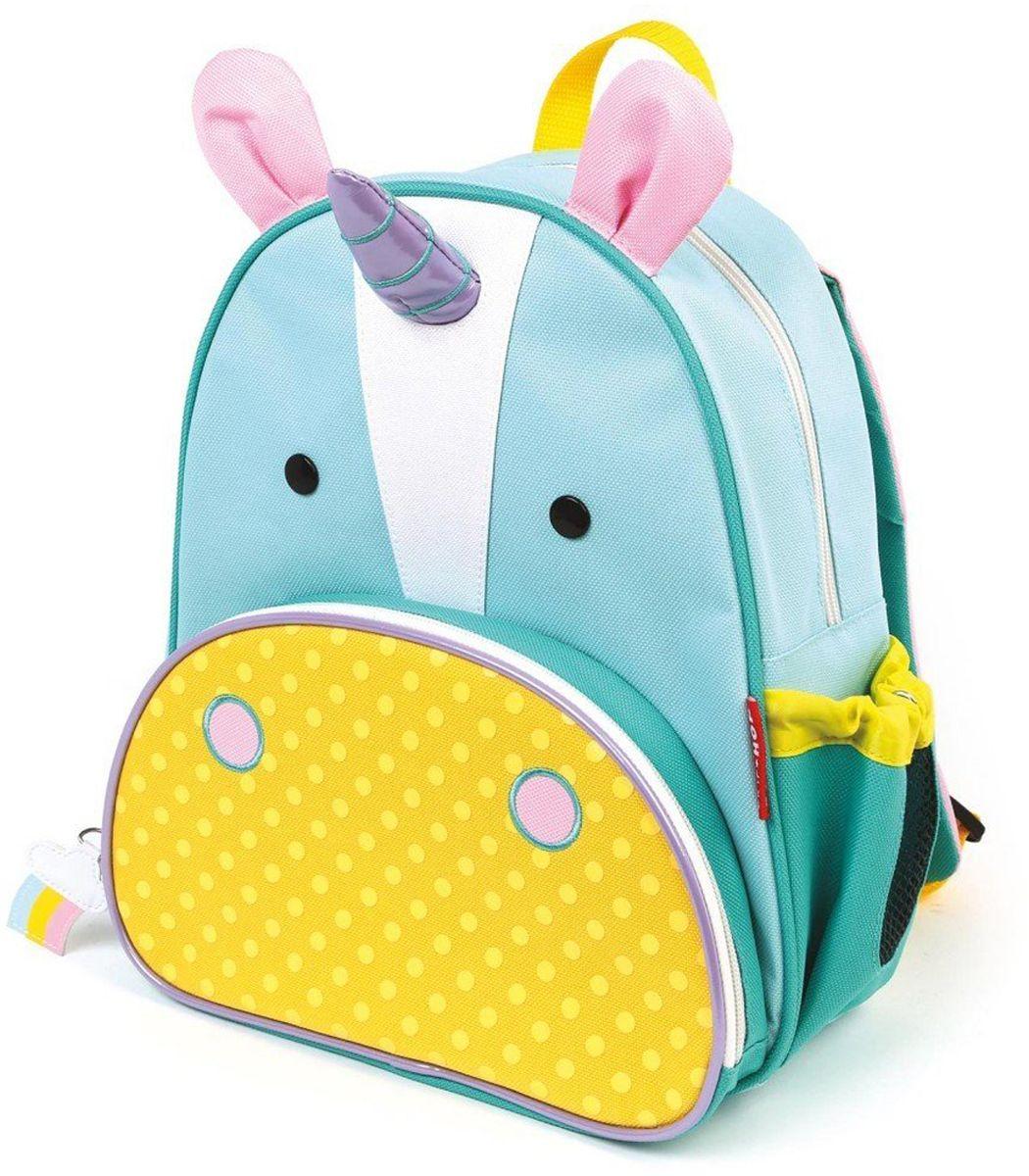 Skip Hop Рюкзак дошкольный ЕдинорогSH 210227Дошкольный рюкзак Skip Hop Единорог каждый день будет радовать вашего малыша, вызывать улыбки у прохожих и зависть у сверстников.С ним можно ходить в детский сад, спортивные секции, на прогулку, в гости к бабушке или ездить на экскурсии. В основной отсек легко поместятся книжка, альбом для рисования, краски, фломастеры, любимая игрушка и контейнер с едой, а специальный кармашек сбоку предназначен для бутылочки с водой. Передний кармашек на молнии предназначен для мелких вещей. Внутренний карман на резинке зафиксирует положение содержимого: не даст выпасть фломастерам или сломаться киндер-сюрпризу.Рюкзачок выполнен из прочной ткани, способной выдерживать бесконечное количество стирок в машинке.