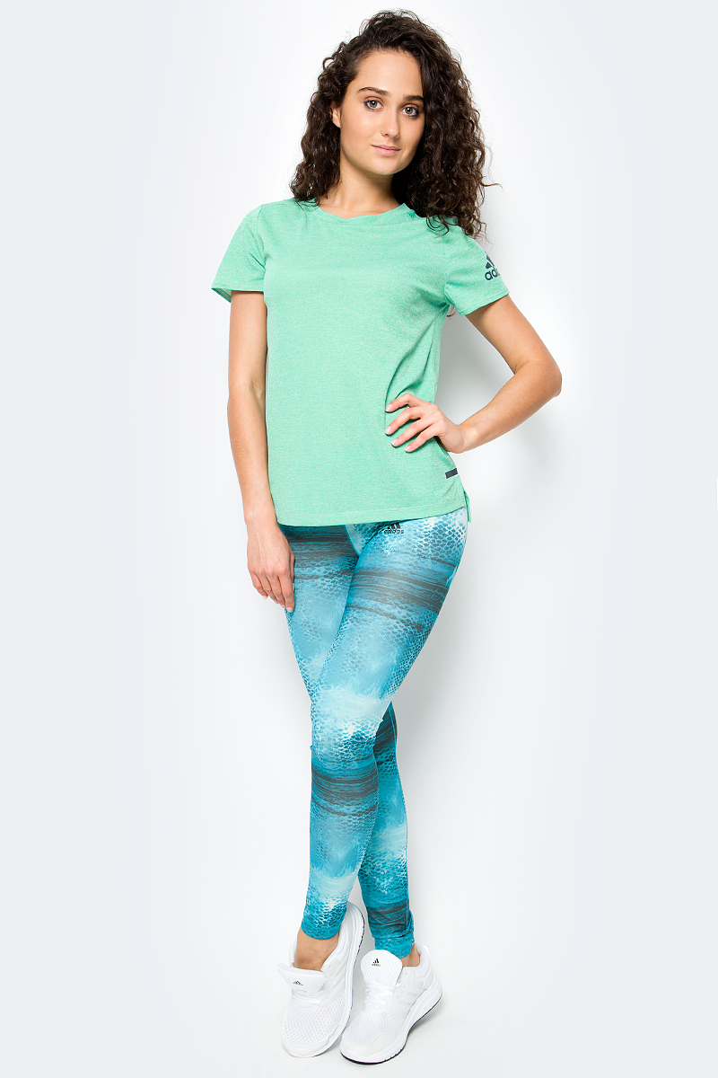 Тайтсы для фитнеса женские Adidas Long Tightq2aop, цвет: голубой. BQ2120. Размер XXS (38)BQ2120Стильные леггинсы Adidas прекрасно подходят для самых интенсивных тренировок.