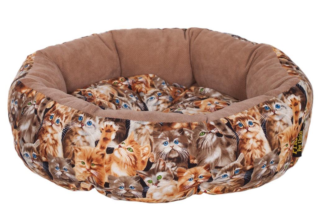 Лежак для животных Pride Мартовские коты, 45 х 45 х 12 см10011200Лежак Pride Мартовские коты непременно станет любимым местом отдыха вашего домашнего животного. Изделие выполнено из полиэстера. Такой материал не теряет своей формы долгое время. На таком лежаке вашему любимцу будет мягко и тепло. Он подарит вашему питомцу ощущение уюта и уединенности.