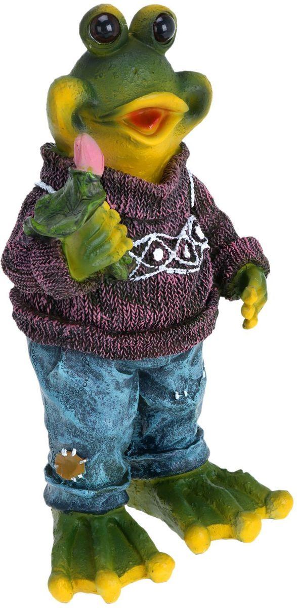 Фигура садовая Лягушка в свитере, 17 х 12 х 31 см1224070Сад — гордость дачника. Сделайте любимый участок еще наряднее! Украсьте его оригинальной фигуркой из долговечного материала. Она обновит привычный ландшафт и сделает его неповторимым. Фигурку можно использовать не только в качестве декора садового участка, но и в качестве сувенира для дома. Эффектно украсьте прихожую, чтобы приятно удивить гостей, или сделайте уютнее зеленый уголок, дополнив его этой скульптурой.