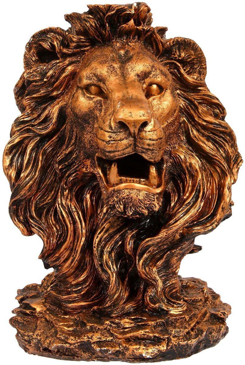 Фигура садовая Голова льва, цвет: медный, 32 х 42 х 70 см1250121Создайте настроение в любимом саду: украсьте его оригинальным декором. Изящная фигура в виде льва придаст участку шарм и разнообразит ландшафт.Сделайте свой сад неповторимым. Разрабатывайте собственный дизайн и расставляйте акценты. Хотите привлечь внимание к клумбе? Поставьте садовую фигуру рядом с ней. А расположенная прямо у калитки, она будет приятно удивлять гостей. Такой декор легко замаскирует неприглядные детали на участке.