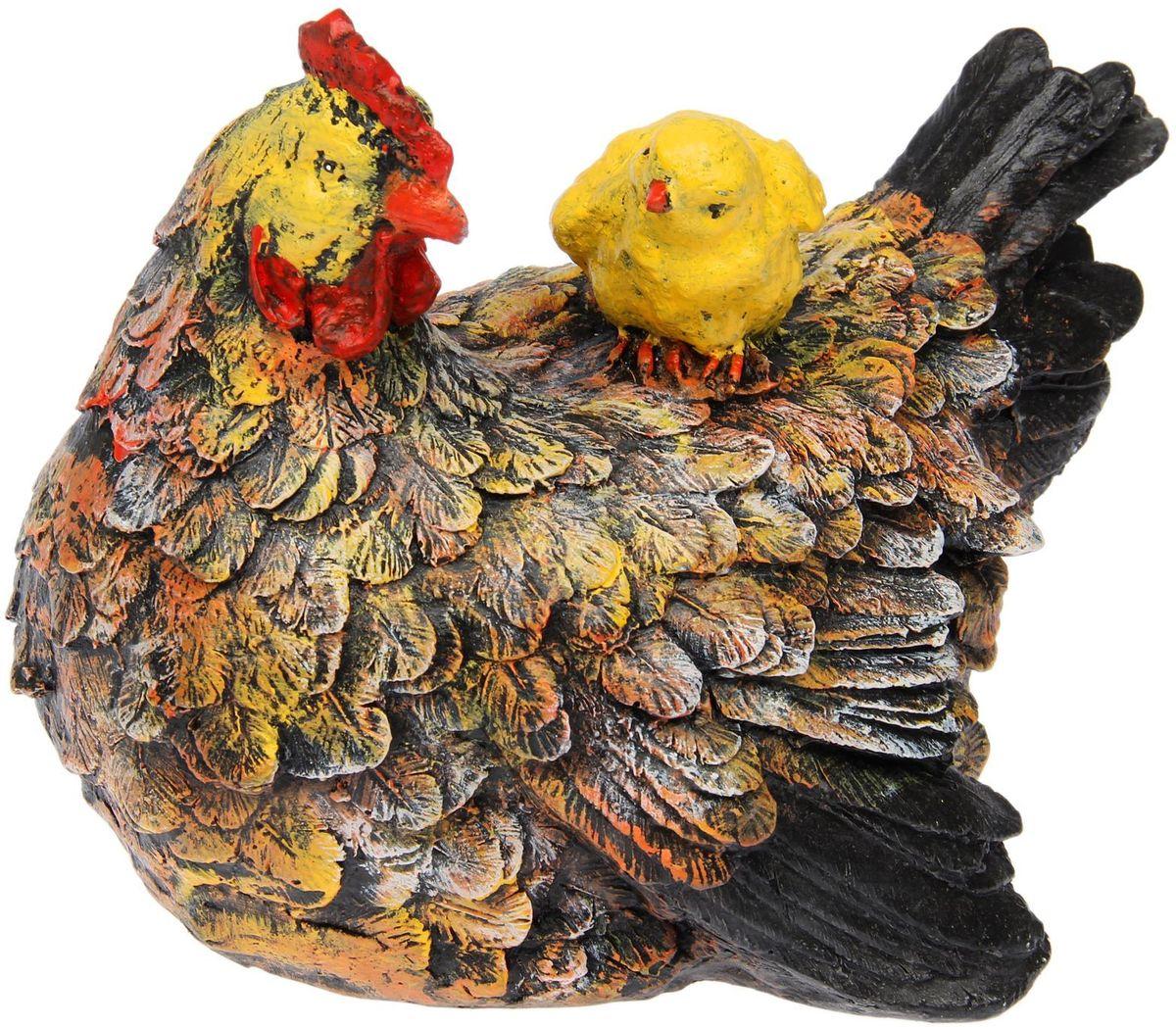 Фигура садовая Premium Gips Курица с цыпленком, 21 х 30 х 23 см1476392Фигура садовая Premium Gips Курица с цыпленком придаст окружающему пространству ощущение широты и живости.Проявите себя в роли ландшафтного дизайнера. Расставляйте акценты с помощью садового декора: например, чтобы привлечь внимание к клумбе, поставьте фигуру рядом с ней.