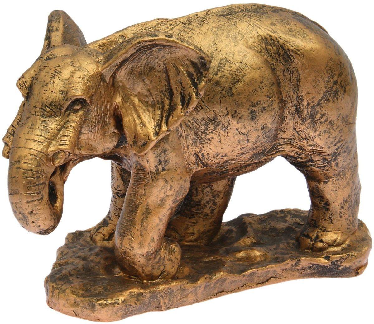 Фигура садовая Слон, цвет: бронзовый, 52 х 25 х 33 см1684904Летом практически каждая семья стремится проводить больше времени за городом. Прекрасный выбор для комфортного отдыха и эффективного труда на даче, который будет радовать вас достойным качеством.