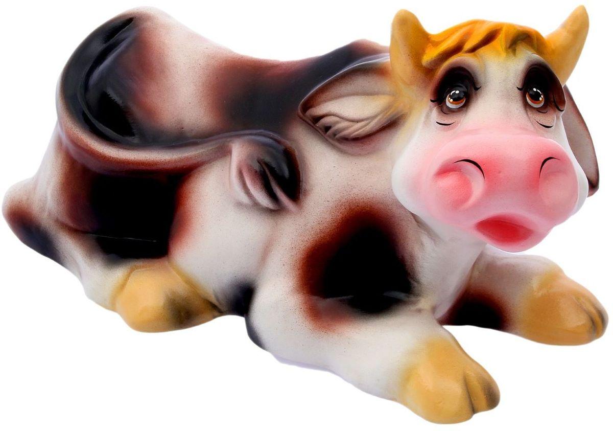 Фигура садовая Корова, 60 х 30 х 28 см1996258Яркая забавная фигура Корова оживит пространство сада или огорода. Садовая фигура из керамики прекрасно подходит для уличных условий. Этому экологичному материалу не страшны ни влага, ни ультрафиолет, ни перепады температуры.