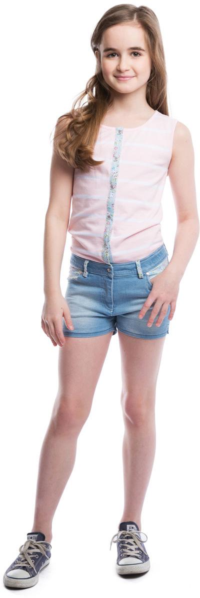 Комбинезон для девочки Scool, цвет: голубой, розовый, белый. 264006. Размер 146264006Стильный полукомбинезон для девочки выполнен в виде майки с джинсовыми шортиками. Изготовленный из эластичного хлопка полукомбинезон без рукавов и с круглым вырезом горловины застегивается на перламутровые пуговки, шортики имеют ширинку-молнию, благодаря чему он надежно и удобно сидит. Спереди модель дополнена двумя втачными кармашками, а сзади - двумя накладными карманами, украшенными фигурными прострочками. Имеются шлевки для ремня.