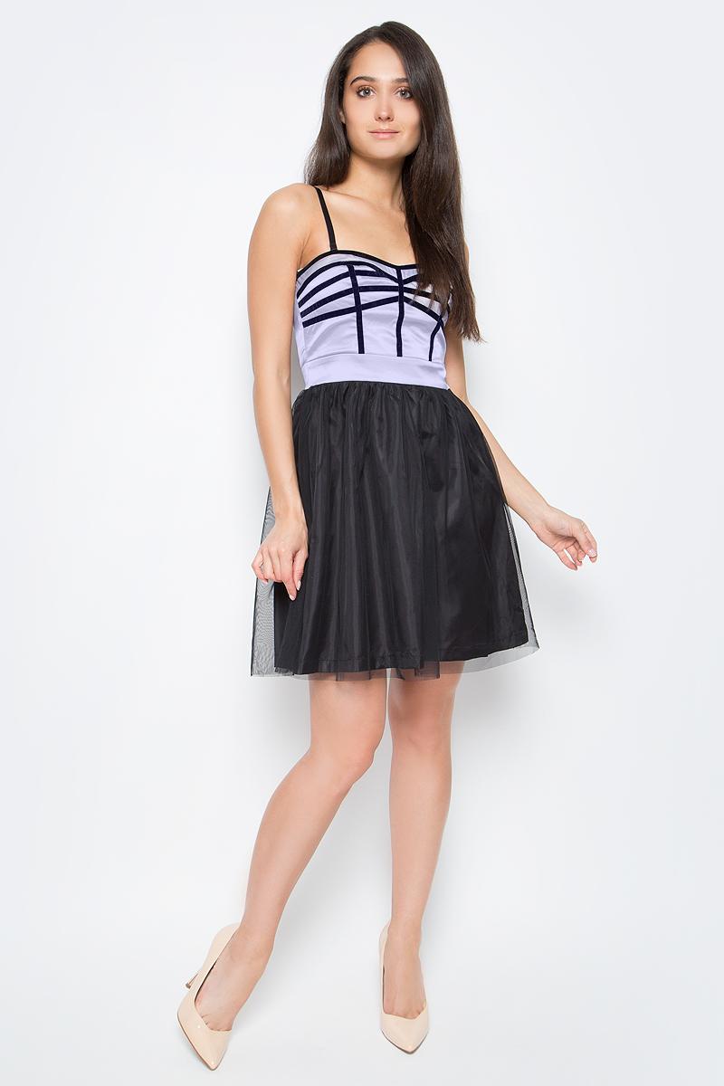 Платье oodji Ultra, цвет: черный, сиреневый. 11902095/24205/2980B. Размер 38-170 (44-170)11902095/24205/2980BСтильное платье oodji изготовлено из качественного полиэстера. У модели верхняя облегающая часть и пышная юбка. Бретельки снимаются. Платье застегивается на молнию.