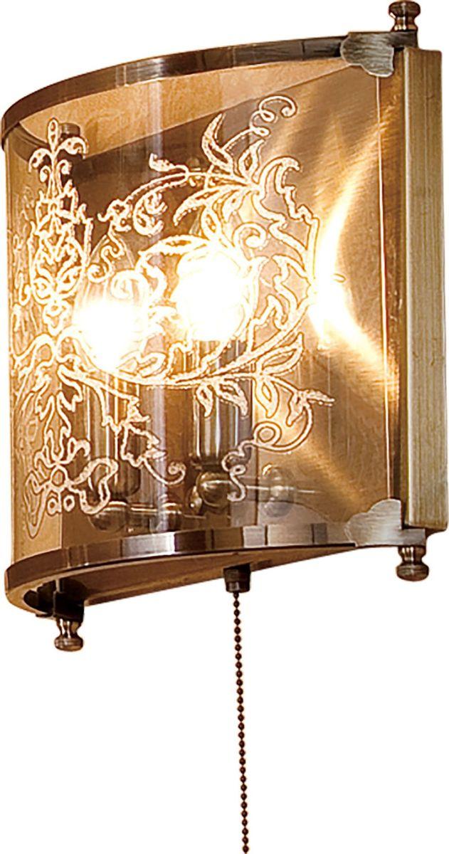 Настенный светильник Citilux Версаль. CL408323CL408323Настенный светильник Citilux Версаль – это отличное решение подсветки комнаты, оформленной в этом дизайнерском направлении. Прозрачный стеклянный плафон, имеющий окантовку по краям бронзовыми полосками, украшен рисунком, а находящиеся внутри него лампочки создают яркое освещение на площади до 8 кв.м. Настенный светильник Citilux Версаль станет прекрасным украшением интерьера, внесет в него шарм и изысканность!