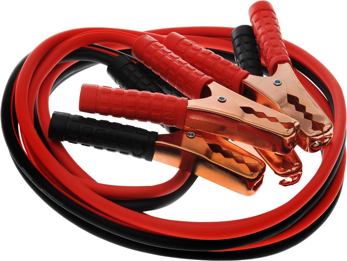 Провода прикуривания Autoprofi Аллигатор, алюминиевые, морозостойкие, 200 А, 2,5 мBC-200Провода прикуривания Autoprofi Аллигатор обладают длиной 2,5 метра и пропускают ток силой до 200 ампер. Это позволяет использовать их для запуска автомобилей, оснащенных бензиновыми двигателями объемом до 2,5 литров или дизельными - объемом до 2,2 литров.Многожильные провода изготовлены из алюминия с медным напылением и покрыты изоляцией из морозостойкого термопласта. Термопласт легко гнется и не теряет свою эластичность до температуры -40°С. Рукоятки зажимов изолированы термопластом, что делает более удобным эксплуатацию проводов прикуривания в сильные морозы.Провода упакованы в пластиковый кейс. Характеристики: Материал: алюминий с медным напылением. Изоляция проводов: термопласт. Длина провода: 2,5 м. Сила тока: 200 А. Минимальная температура использования: -40°С. Размер упаковки: 25 см х 25 см х 6 см. Артикул: BC-200.