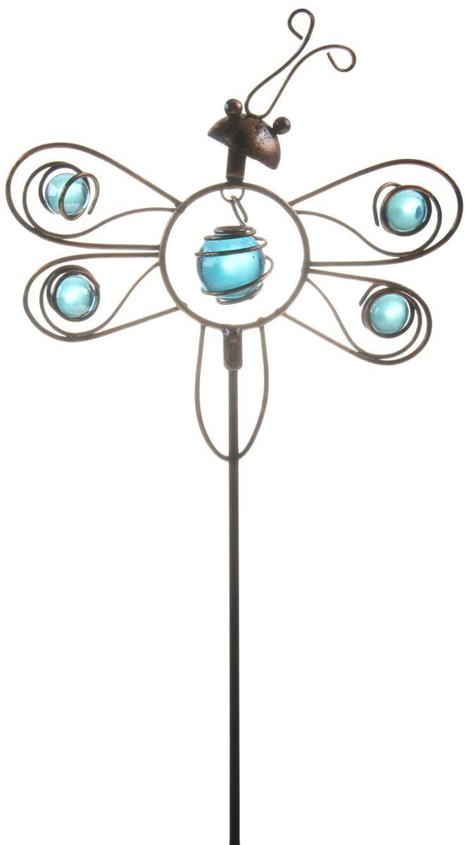 Украшение декоративное садовое Бабочка, цвет: черный, голубой, высота 50 см1003649Декоративное садовое украшение Бабочка изготовлено из металла и украшено пластиковыми бусинами, и представляет собой палочку с фигуркой бабочки наверху. Декоративная садовая фигурка внесет завершающий штрих при создании ландшафтного дизайна дачного или приусадебного участка. Она позволит создать правдоподобную декорацию и почувствовать себя среди живой природы. Кроме этого, веселая и незатейливая, она поднимет настроение вам, вашим друзьям и родным. Высота: 50 см.