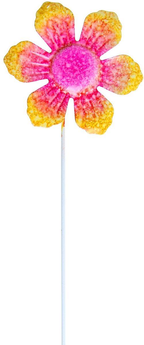 Украшение декоративное садовое Солнечный цветок, цвет: розовый, 9 х 10 х 35 см1004169Декоративное садовое украшение Солнечный цветок изготовлено из металла и представляет собой палочку с цветком наверху. Декоративная садовая фигурка внесет завершающий штрих при создании ландшафтного дизайна дачного или приусадебного участка. Она позволит создать оригинальную декорацию и почувствовать себя среди живой природы. Кроме этого, веселая и незатейливая, она поднимет настроение вам, вашим друзьям и родным. Размер: 9 х 10 х 35 см.
