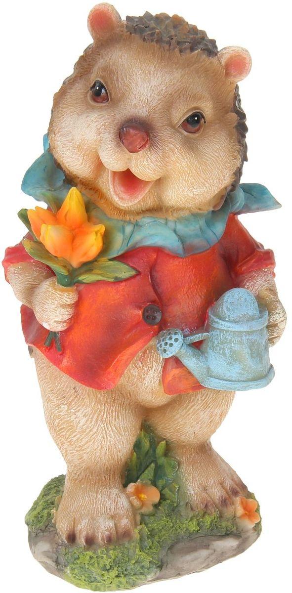 Фигура садовая Ежик с тюльпанами, 13 х 12 х 25 см1010293Сад — гордость дачника. Сделайте любимый участок еще наряднее! Украсьте его оригинальной фигуркой из долговечного материала. Она обновит привычный ландшафт и сделает его неповторимым. Фигурку можно использовать не только в качестве декора садового участка, но и в качестве сувенира для дома. Эффектно украсьте прихожую, чтобы приятно удивить гостей, или сделайте уютнее зеленый уголок, дополнив его этой скульптурой.
