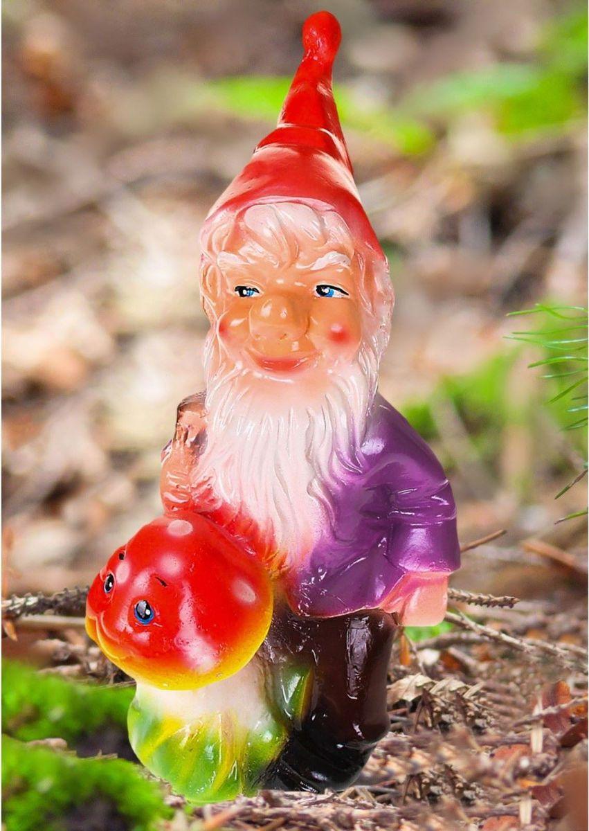 Фигура садовая Гном с грибом в фиолетовом кафтане, 15 х 16 х 43 см1065337