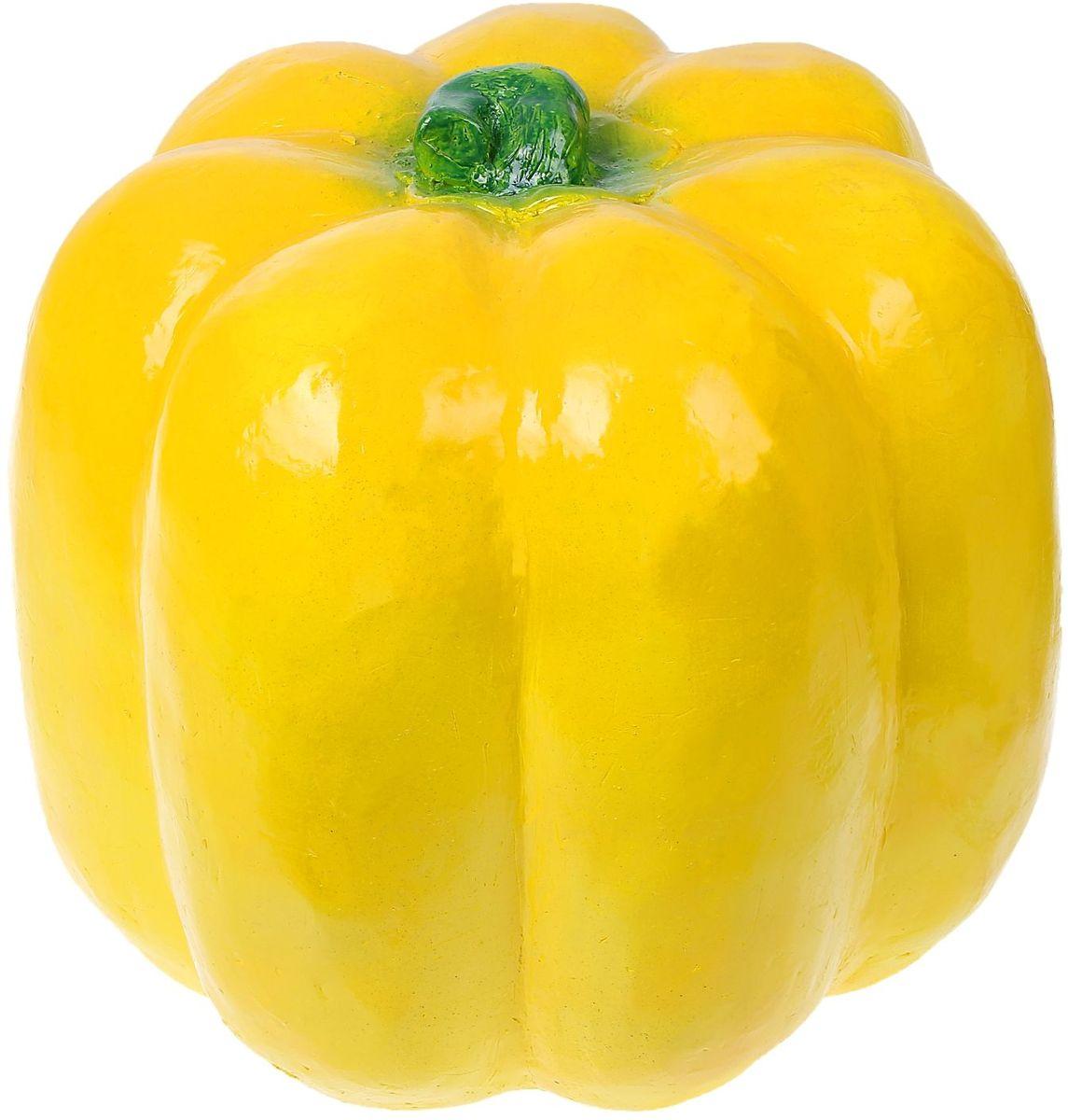 Фигура садовая Желтый перец, 35 х 30 х 35 см1078342Не удаётся вырастить крупные овощи? Не беда. Этот большой яркий перец затмит на садовом участке любой урожай. Колоритный декор добавит окружающему пространству новые краски, удивит соседей и вызовет восторг гостей. С помощью яркой садовой фигуры легко расставить акценты: например, привлечь внимание к цветочной клумбе или водоёму. Фигура из гипса отличается лёгкостью, экологичностью и долговечностью. Украшайте любимый сад оригинально.