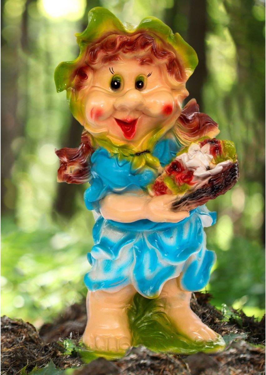 Фигура садовая Гномик с корзиной цветов в голубом платье, 28 х 28 х 57 см1121775Забавная фигура оживит сад или огород. Садовая фигура Гномик с корзиной цветов в голубом платье будет охранять урожай и приносить удачу. Удивите гостей и порадуйте близких - поселите у себя на дачном участке веселого жильца.Садовая фигура изготовлена из гипса.Размер фигуры: 28 х 28 х 57 см.