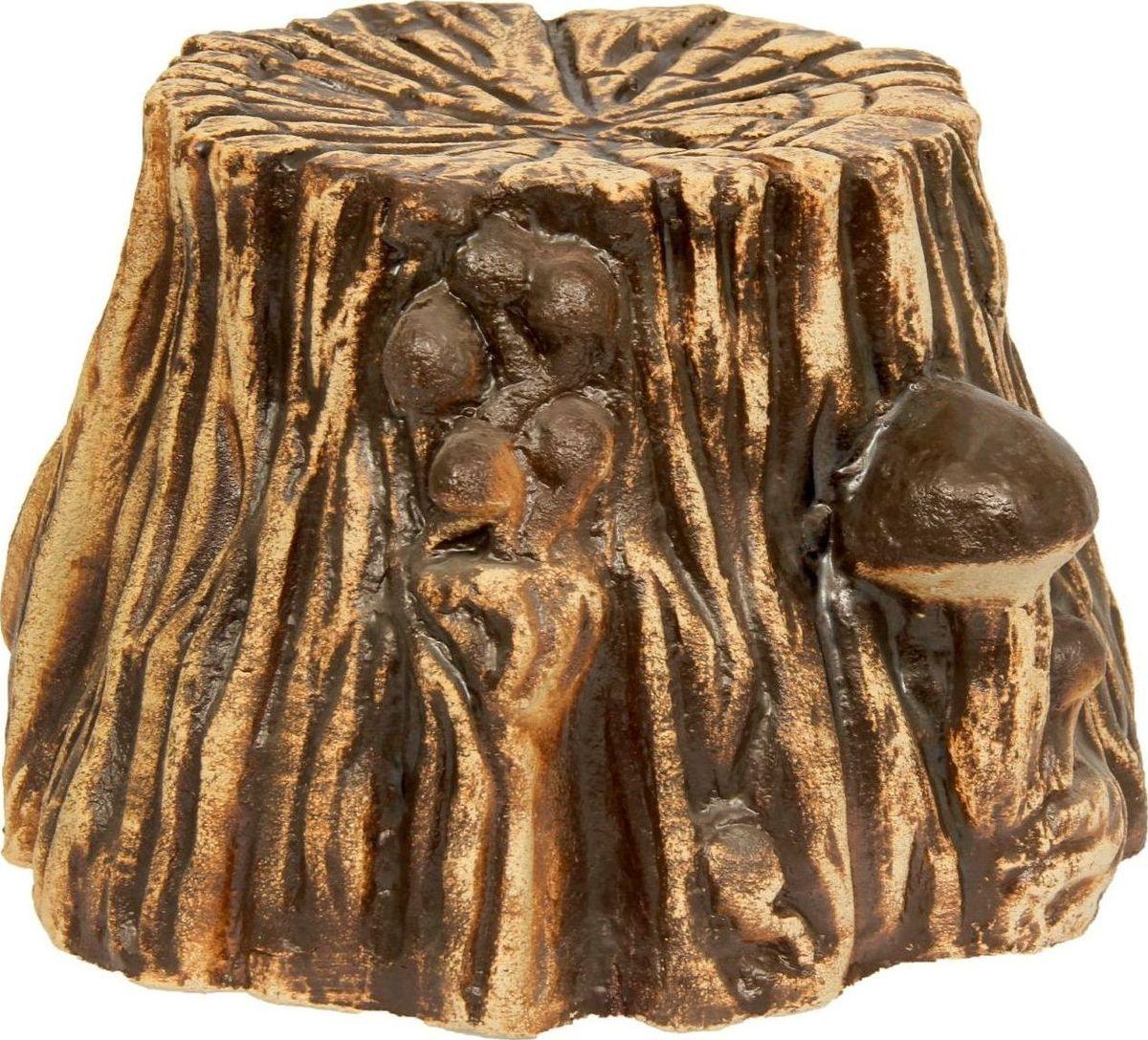 Фигура садовая Керамика ручной работы Пенек, 45 х 45 х 27 см1123961Садовая фигура Пенёк шамот - маленький помощник в создании неповторимого декора садового или дачного участка. Оригинальная форма изделия станет изюминкой пространства, достойным дополнением ландшафтного творчества. Фигура выполнена исключительно из природных материалов, а именно из шамотной глины, которая делает его абсолютно нетоксичным, устойчивым к воздействию окружающей среды (морозостойкий), устойчивым к изменению цвета и структуры (не шелушится и не облезает). При декорировании горшка используются только качественные пигменты. Процесс обжига глины проходит в 2 этапа: утилитный (900 градусов) с последующим декорированием и политой (1100 градусов), придающим изделию необходимую крепость.