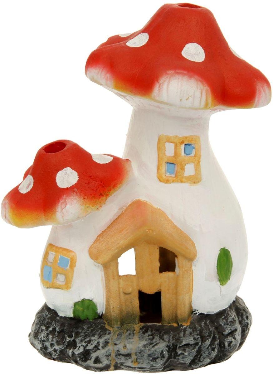Фигура садовая Теремок из пары мухоморов, 25 х 17 х 33 см1126879Очаровательные фигурки грибов украсят сад. Расположите грибочек под деревом или в траве и приятно удивите прогуливающихся в саду гостей. Симпатичная фигурка станет прекрасным подарком заядлому садоводу. Такой декор будет гармонично смотреться в огородах и на участках с обилием зелени. Дополните пространство сада интересной деталью. Садовая фигура из полистоуна (искусственного камня) — оптимальное решение для уличных условий. Этот материал не выцветает на солнце, даже если находится под воздействием ультрафиолета круглый год. Искусственный камень имеет очень низкую пористость, поэтому на нем не появятся трещины. Садовая фигура Теремок из пары мухоморов будет хранить красоту сада долгие годы.