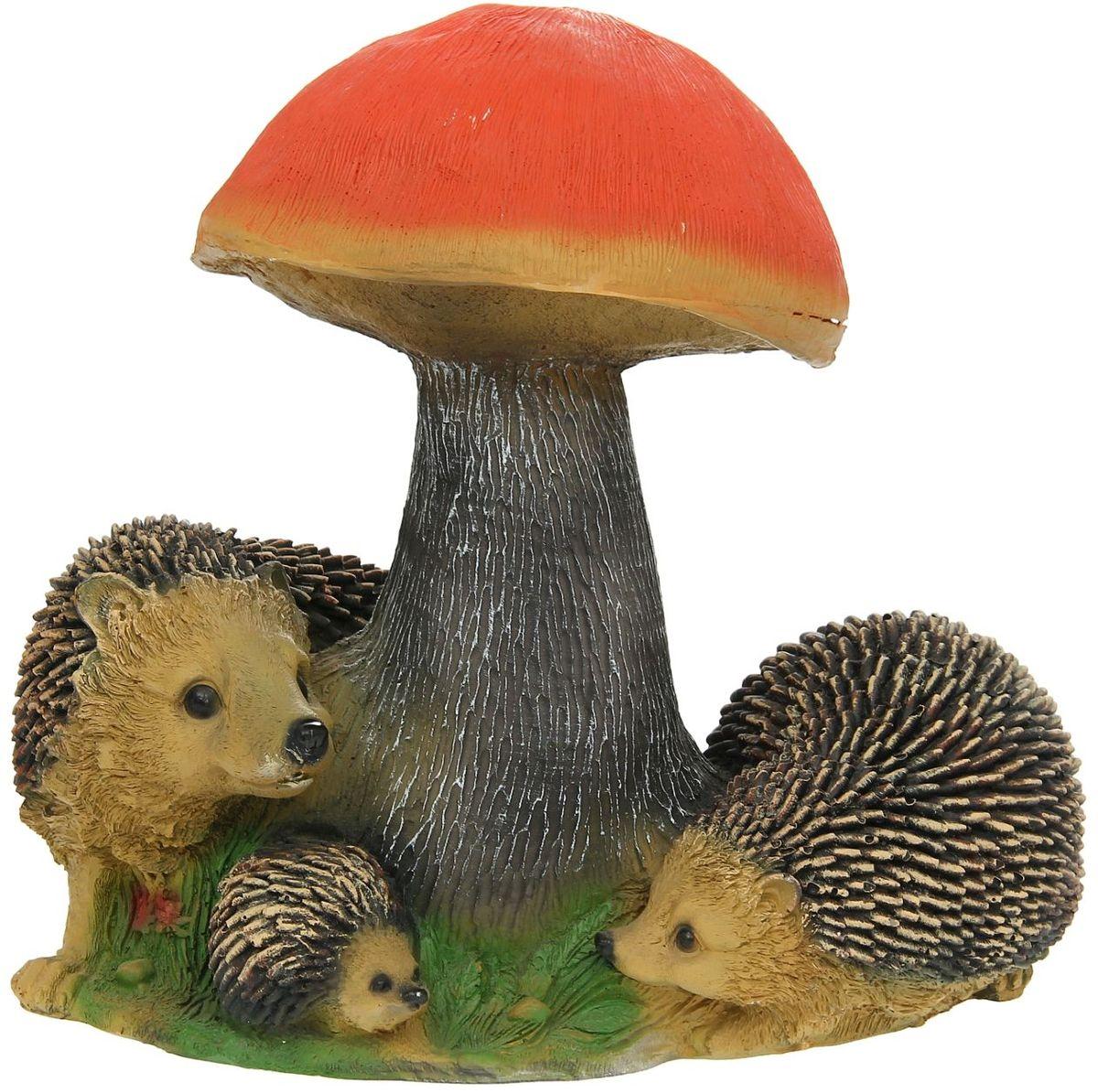Фигура садовая Гриб подосиновик с ежами, 27 х 37 х 37 см1134656Очаровательные фигурки грибов украсят сад. Расположите грибочек под деревом или в траве и приятно удивите прогуливающихся в саду гостей. Симпатичная фигурка станет прекрасным подарком заядлому садоводу. Такой декор будет гармонично смотреться в огородах и на участках с обилием зелени. Дополните пространство сада интересной деталью? Садовая фигура из полистоуна (искусственного камня) — оптимальное решение для уличных условий. Этот материал не выцветает на солнце, даже если находится под воздействием ультрафиолета круглый год. Искусственный камень имеет очень низкую пористость, поэтому на нём не появятся трещины? Садовая фигура Гриб подосиновик с ежами будет хранить красоту сада долгие годы.