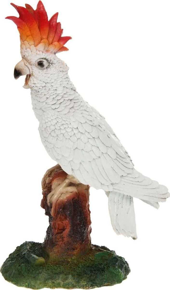Фигура садовая Попугай какаду, 40 х 14 х 26 см1145134Яркая птица придаст саду экзотический вид. Необычный декор выгодно подчеркнёт детали: например, привлечёт внимание к клумбе, водоёму или дереву — просто расположите фигуру рядом с нужным объектом? Садовая фигура из полистоуна (искусственного камня) — оптимальное решение для уличных условий. Этот материал не выцветает на солнце, даже если находится под воздействием ультрафиолета круглый год. Искусственный камень имеет низкую пористость, поэтому ему не страшна влага и на нём не появятся трещины? Садовая фигура будет хранить красоту сада долгие годы.
