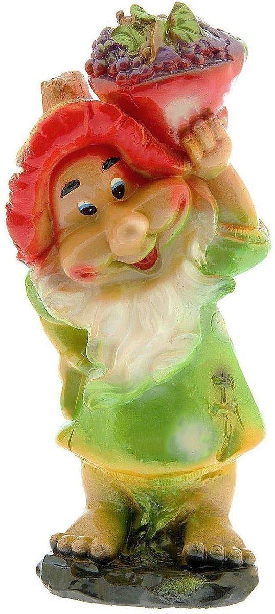Фигура садовая Premium Gips Гном с корзинкой в зеленой одежде, 19 х 25 х 49 см1148450