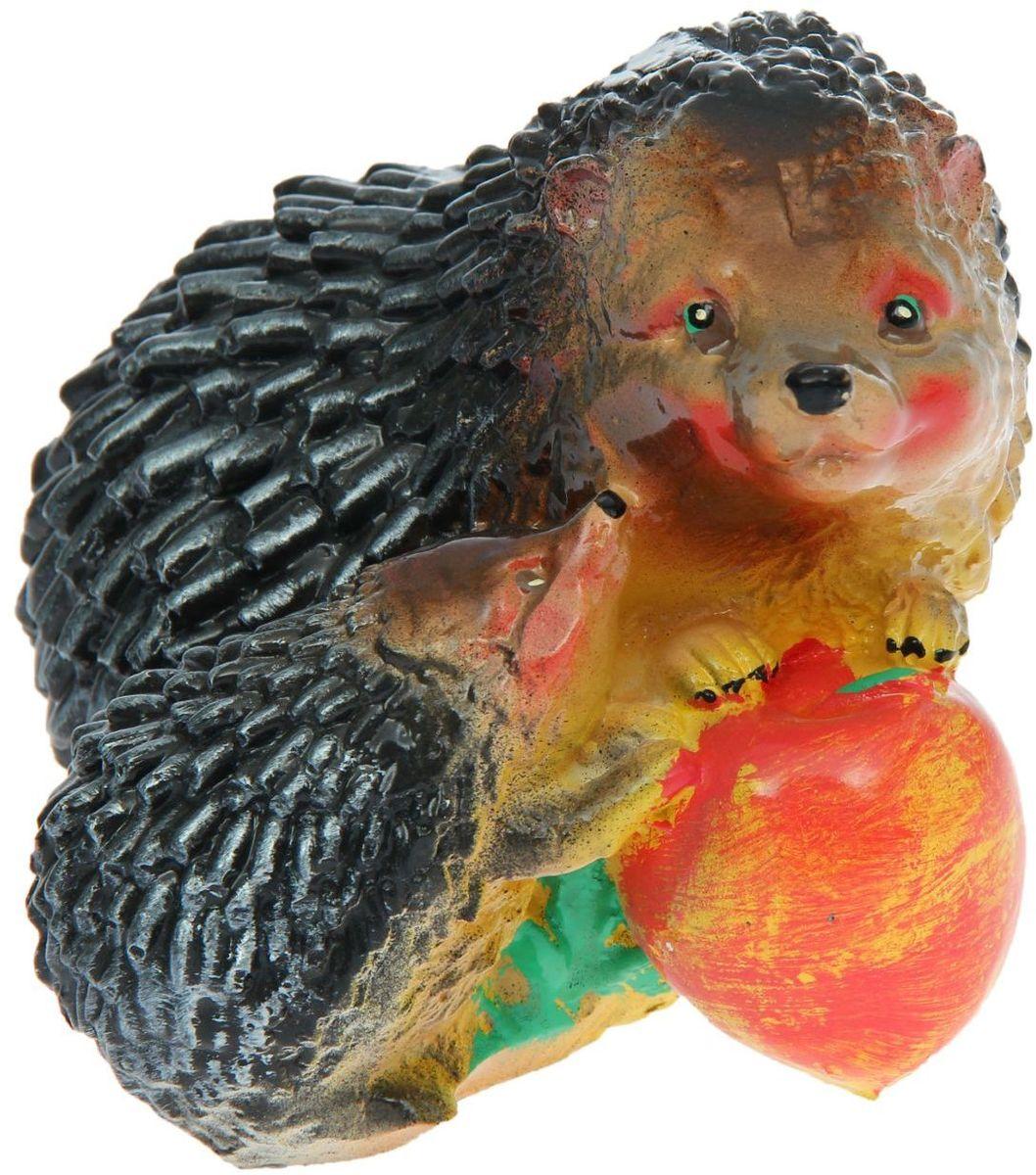 Фигура садовая Premium Gips Ежонок и ежиха с яблоком, 18 х 14 х 14 см1148464