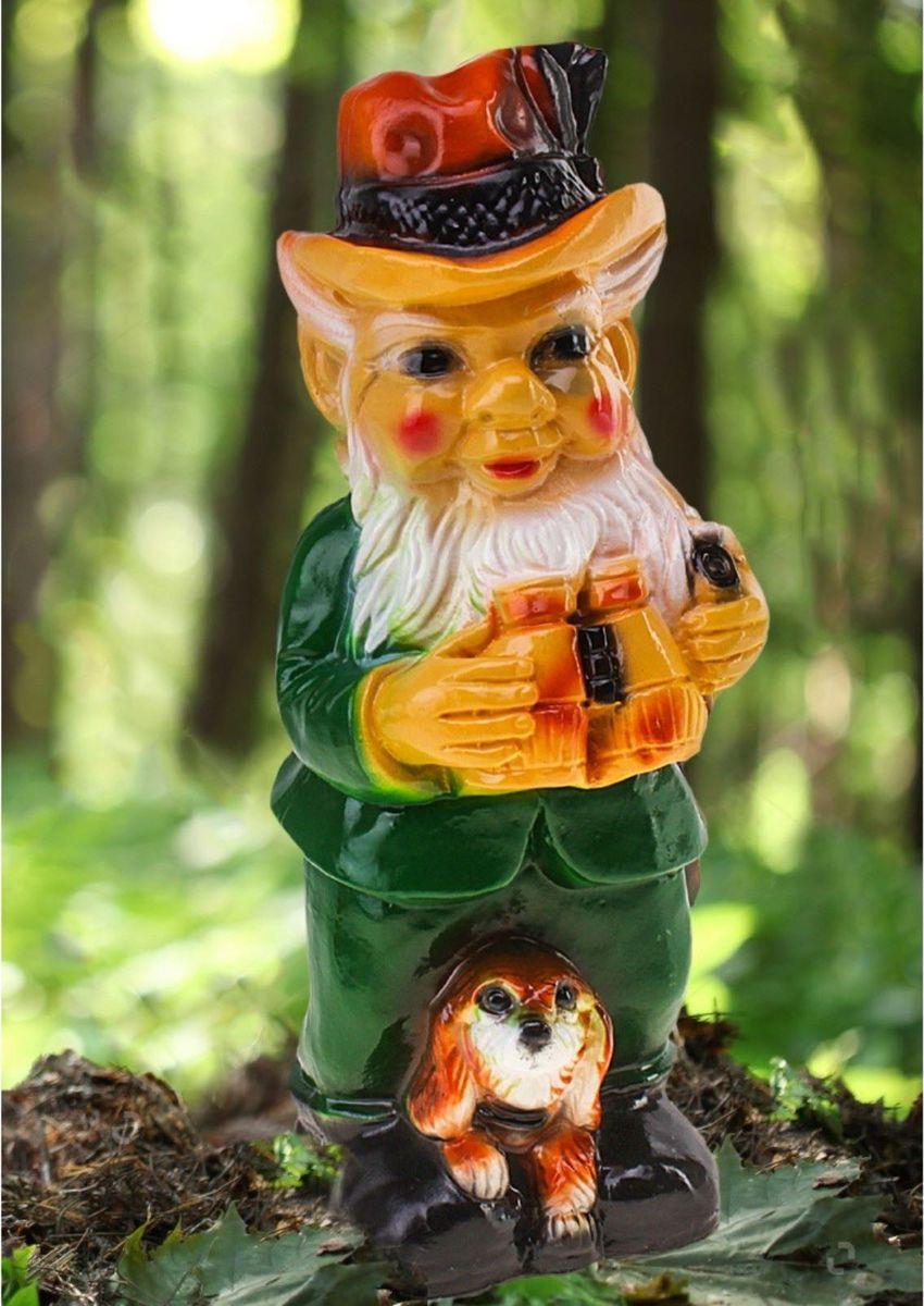 Фигура садовая Гном-охотник в зеленых штанах, 14 х 13 х 37 см460044Забавная фигура оживит сад или огород. Яркий декор придаст окружающему пространству задорности. #name# будет охранять урожай и приносить удачу. Удивите гостей и порадуйте близких — поселите у себя на дачном участке весёлого жильца.