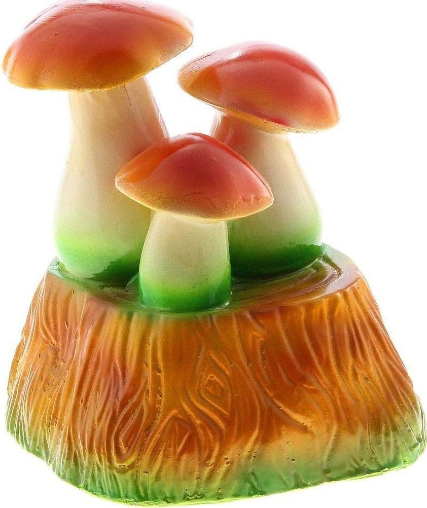 Фигура садовая Троица грибов на пне, 22 х 25 х 20 см746136Очаровательные фигурки грибов украсят сад. Расположите грибочек под деревом или в траве и приятно удивите прогуливающихся в саду гостей. Симпатичная фигурка станет прекрасным подарком заядлому садоводу. Такой декор будет гармонично смотреться в огородах и на участках с обилием зелени. Дополните пространство сада интересной деталью.