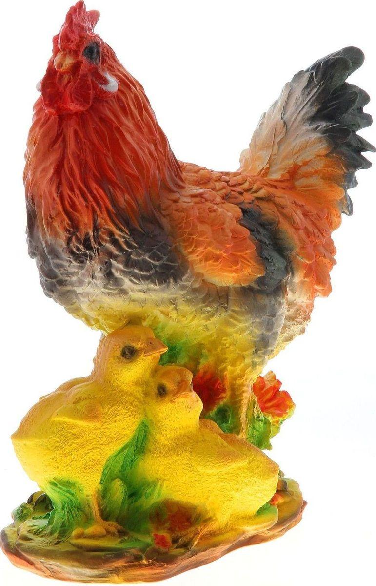 Фигура садовая Петух с цыплятами, 28 х 16 х 32 см748324Фигура домашней птицы придаст окружающему пространству ощущение просторности и живости. Проявите себя в роли ландшафтного дизайнера. Расставляйте акценты с помощью садового декора: например, чтобы привлечь внимание к клумбе, поставьте фигуру рядом с ней. Сделайте садовый участок оригинальным. Изделия из гипса отличаются лёгкостью, экологичностью и долгим сроком службы. При должном уходе они будут выглядеть как новые не один сезон.